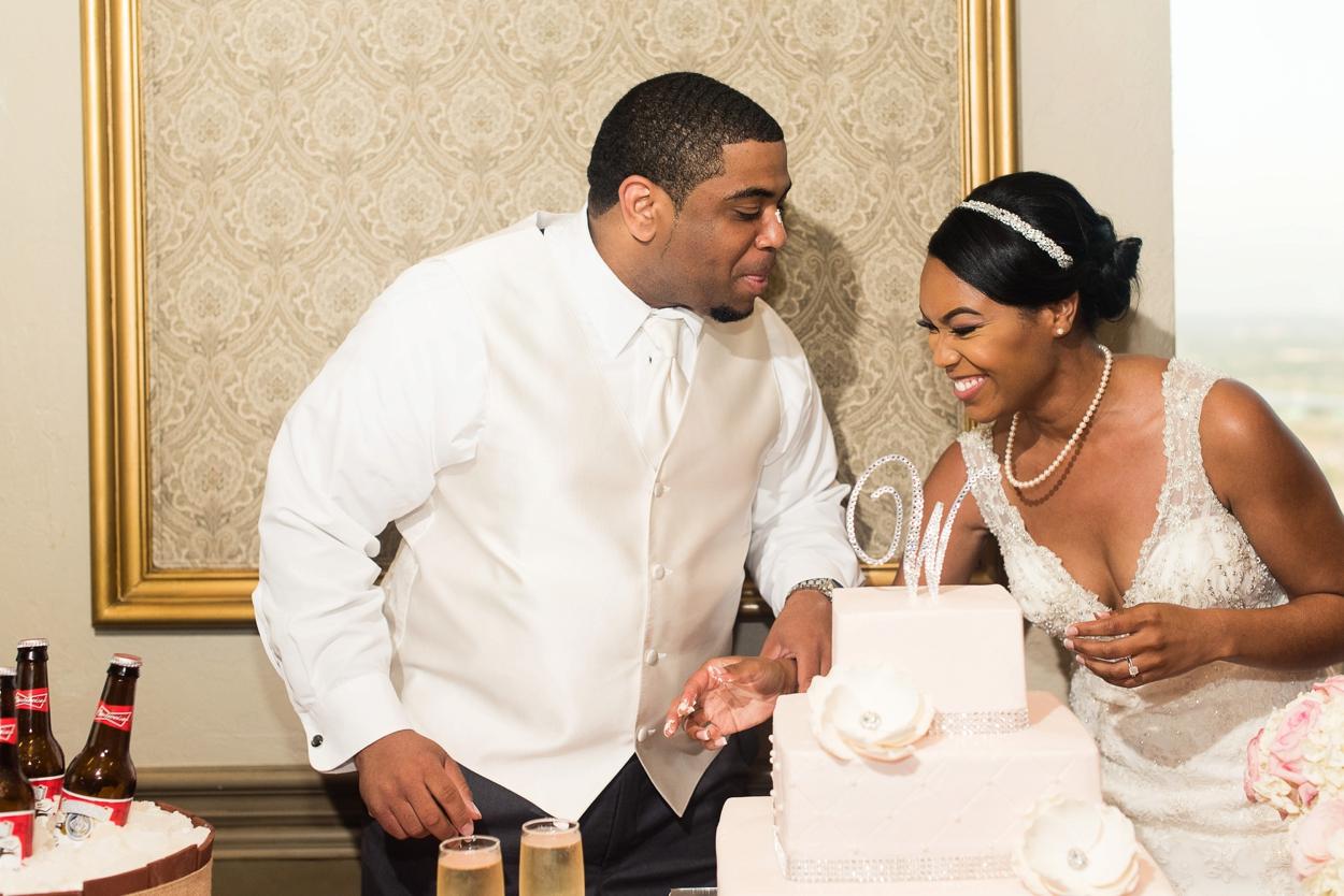 oklahoma-wedding-photographer-petroleum-club27.JPG