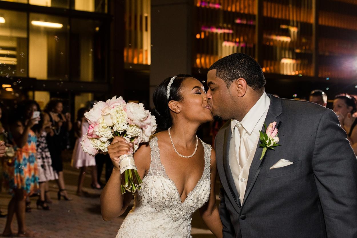 oklahoma-wedding-photographer-petroleum-club39.JPG