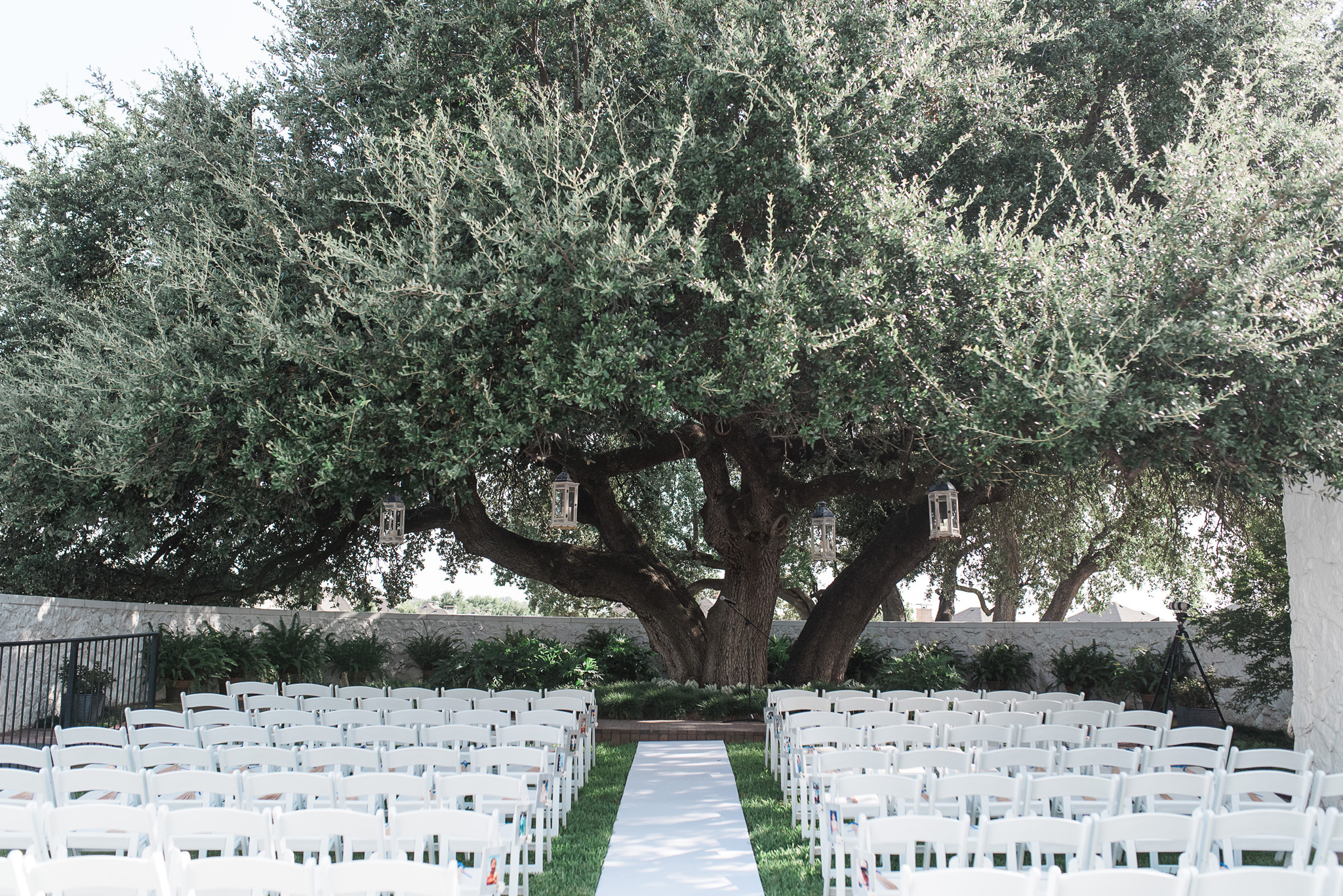 stonegate mansion outdoor wedding