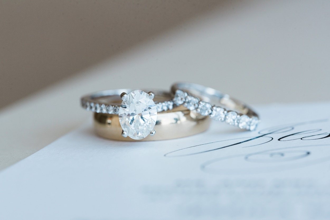 wedding rings gold solitare