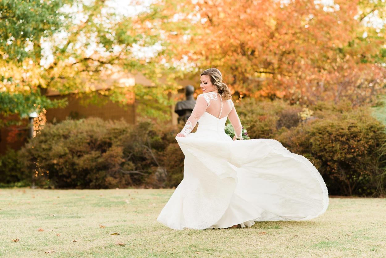fall bridal photos outdoor