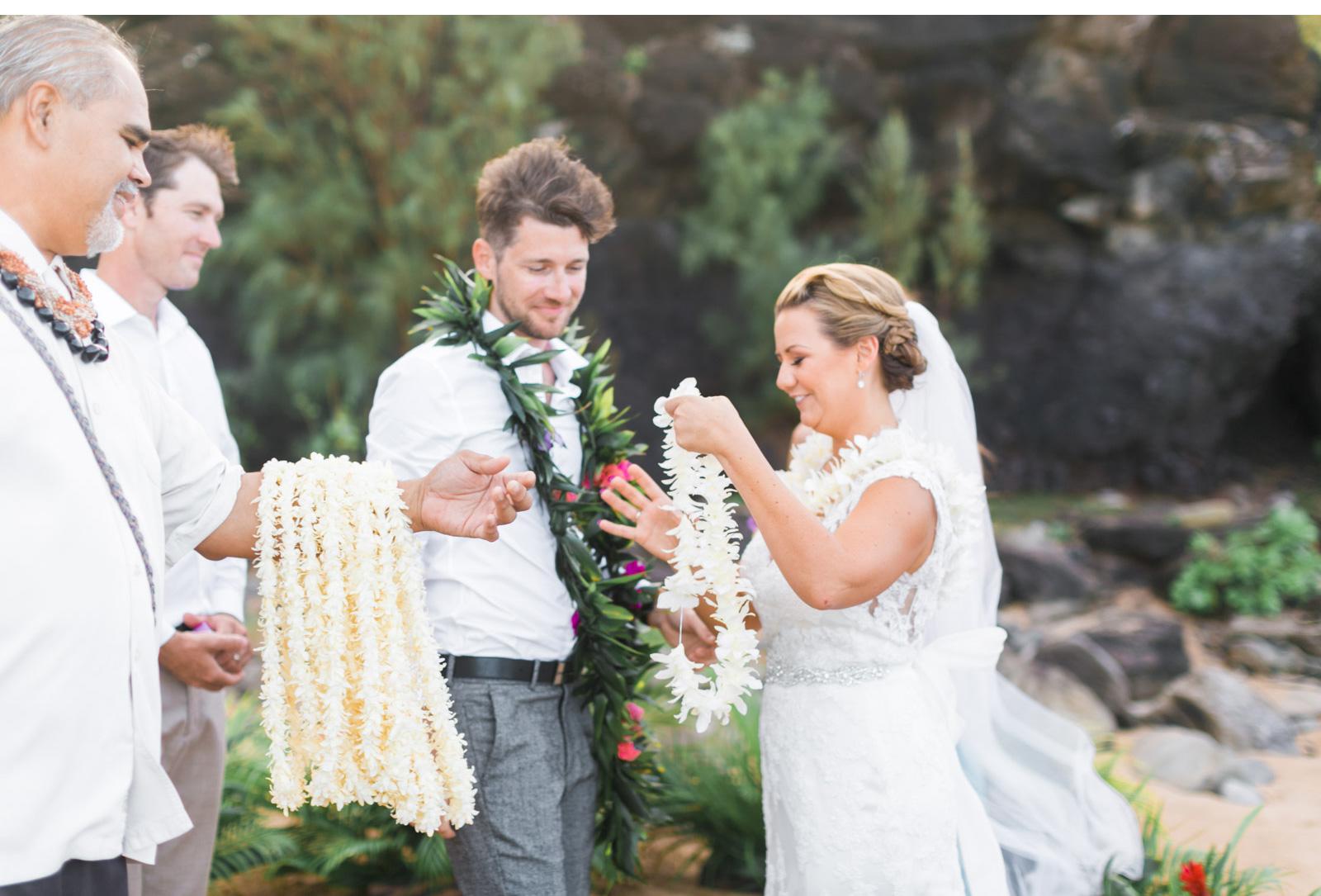 Natalie-Schutt-Photography---Maui-Elopement-Photographer_02.jpg