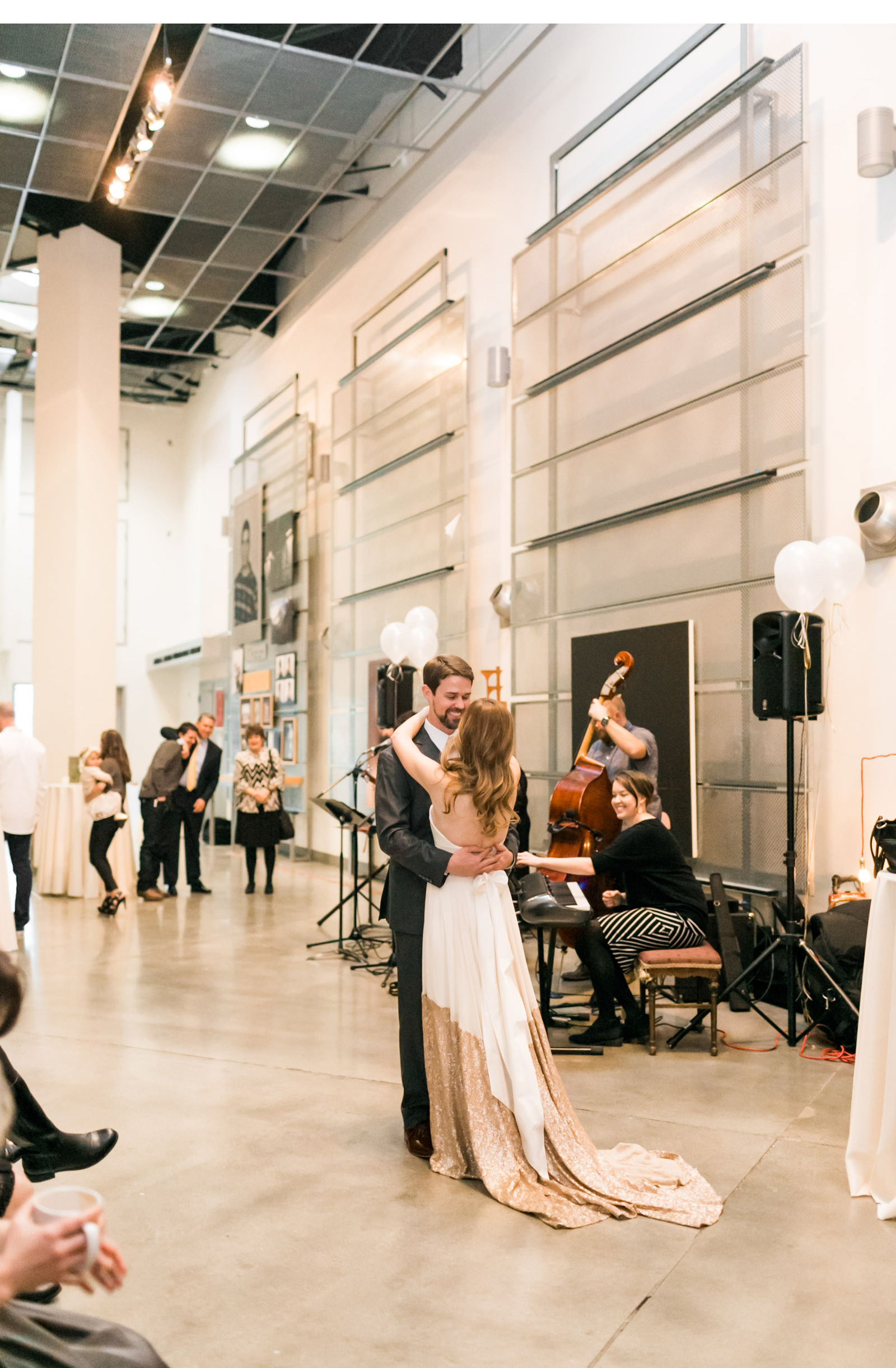 Coffee-Reception-Natalie-Schutt-Wedding-Photography_02.jpg