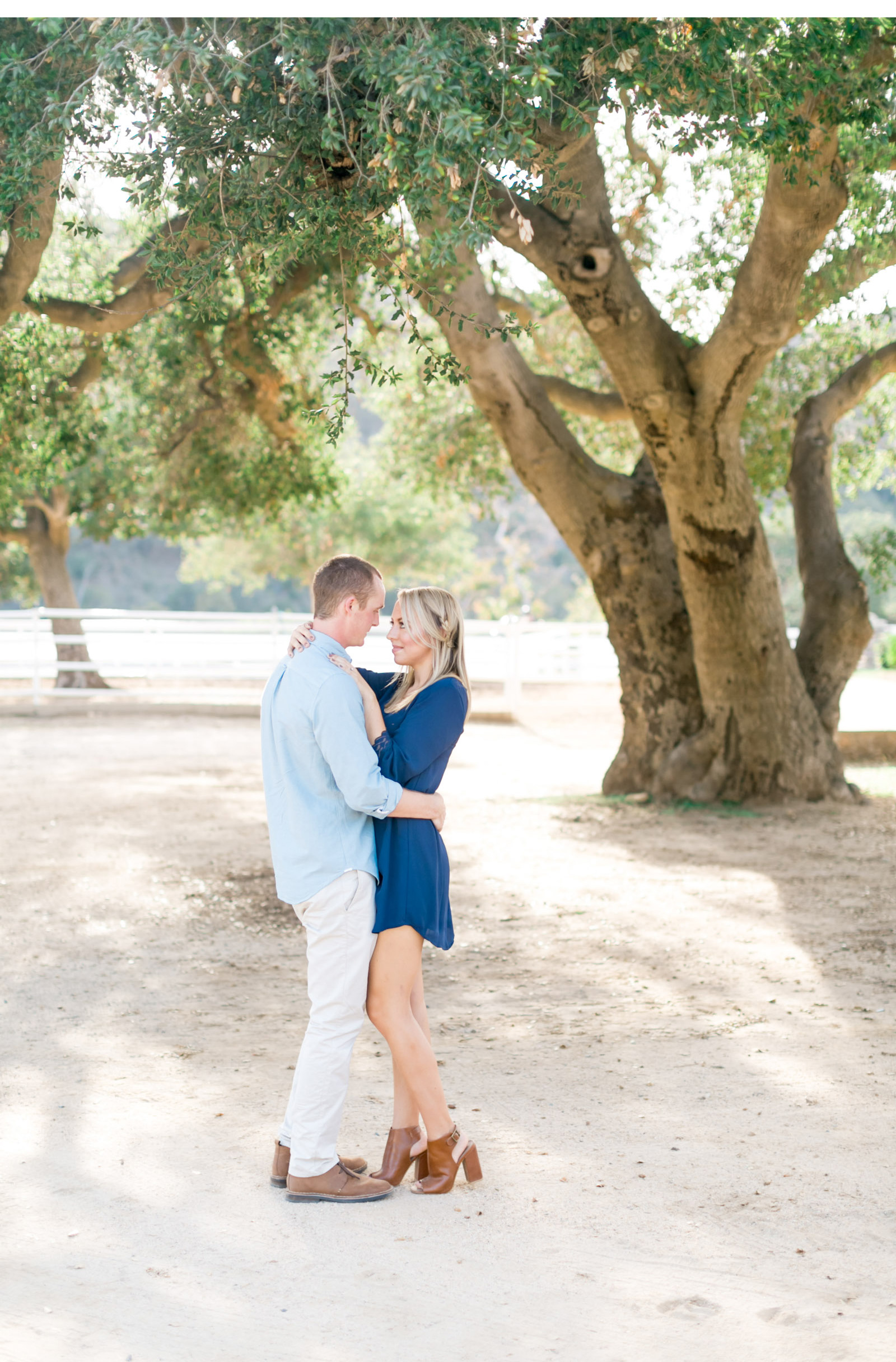 Style-Me-Pretty-Engagement-Natalie-Schutt-Photography_05.jpg