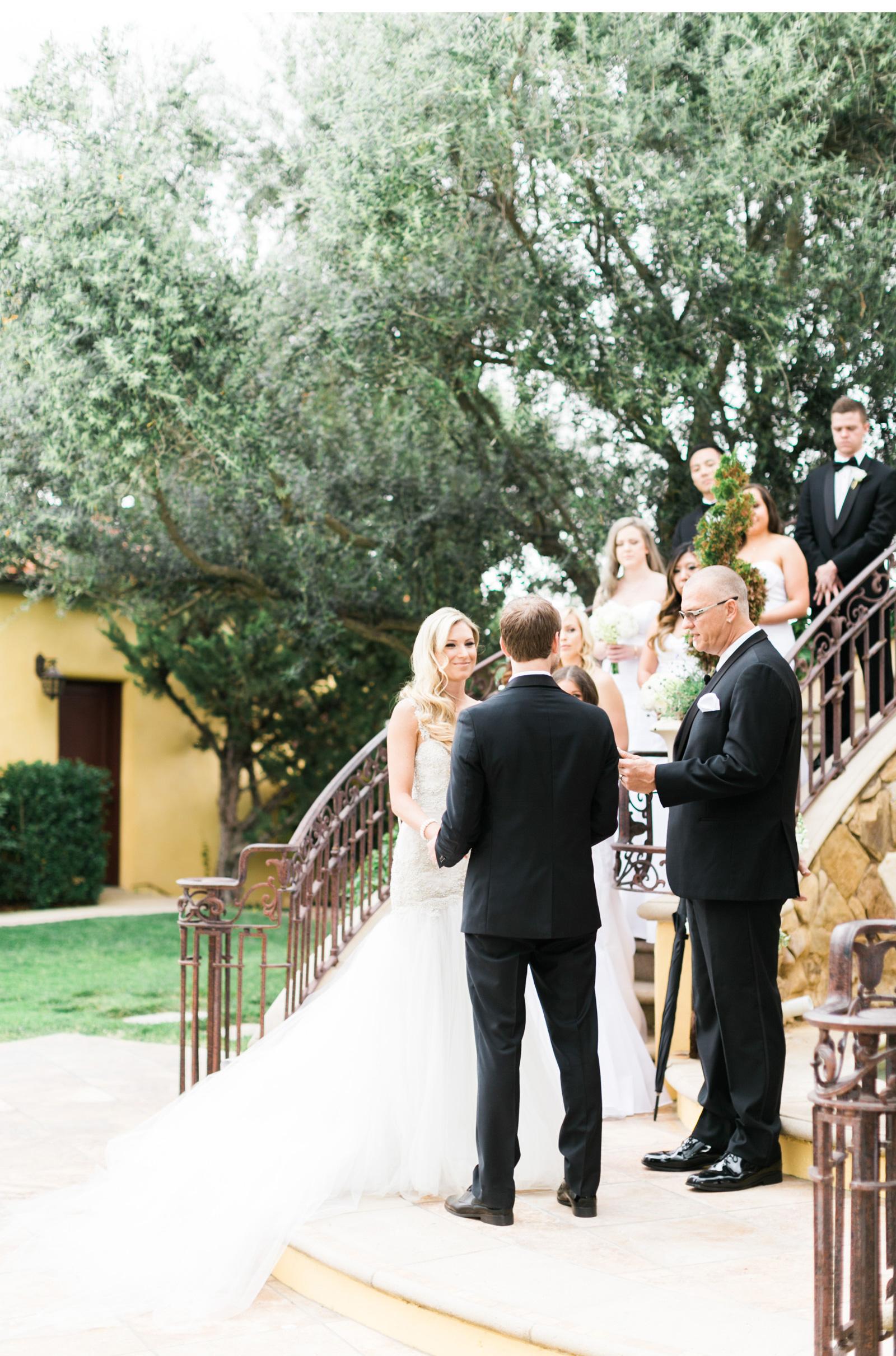 Style-Me-Pretty-Vineyard-Wedding-Natalie-Schutt-Photography_01.jpg