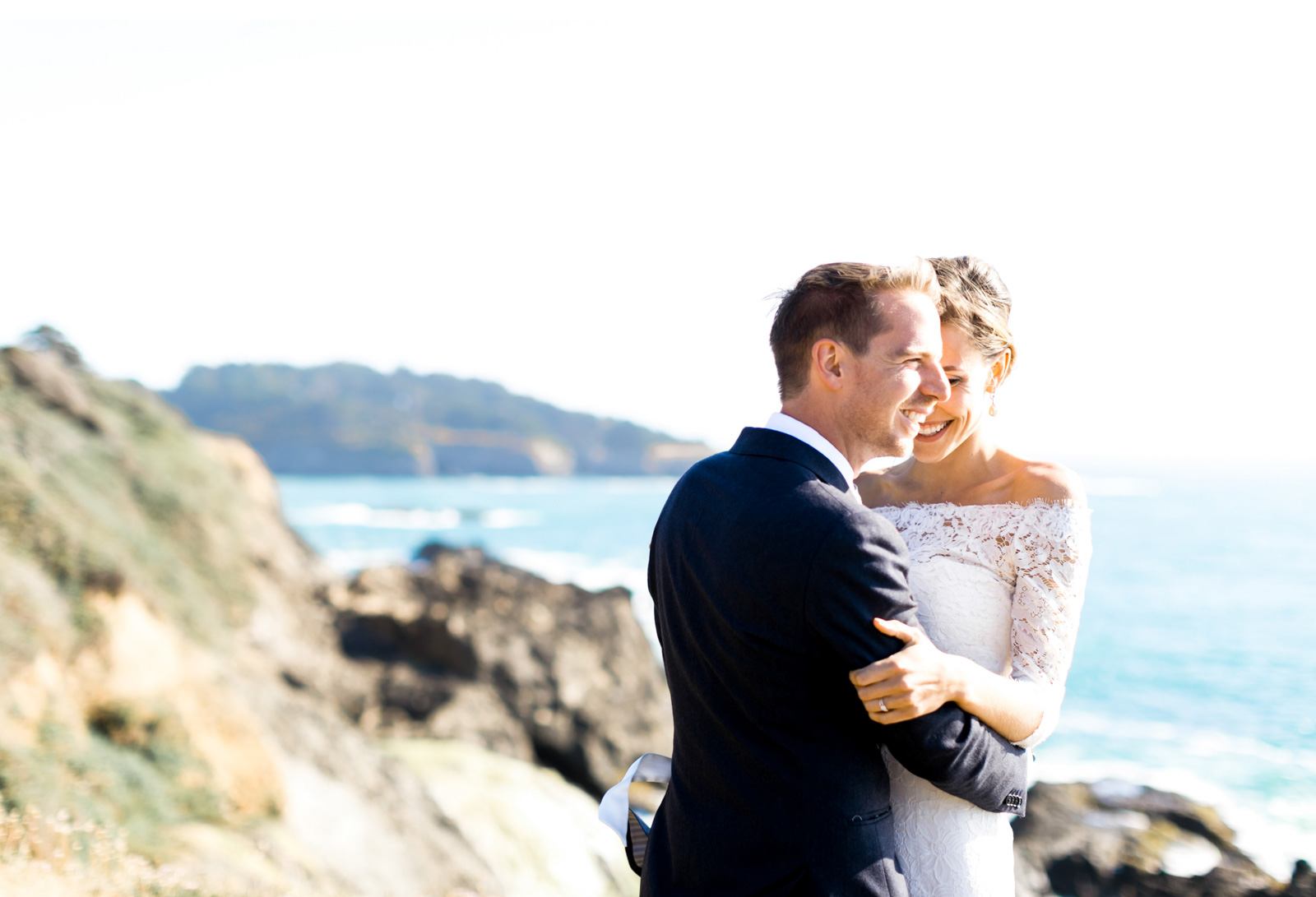 Style-Me-Pretty-Mendocino-Wedding-Natalie-Schutt-Photography_04.jpg