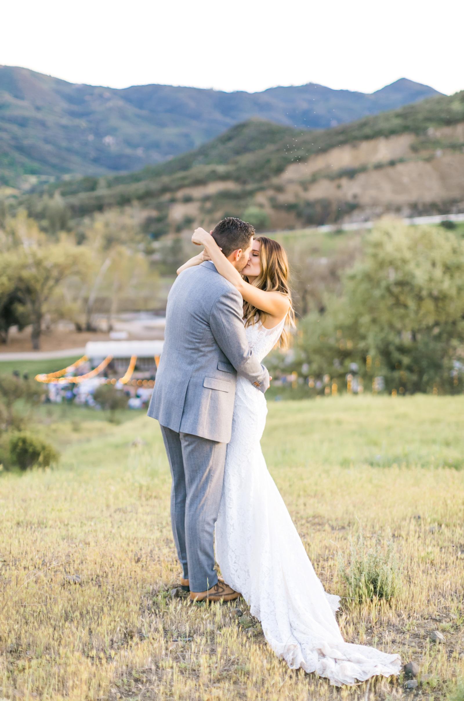 Triunfo-Creek-Malibu-Wedding-Photographer-Natalie-Schutt-Photography_09.jpg