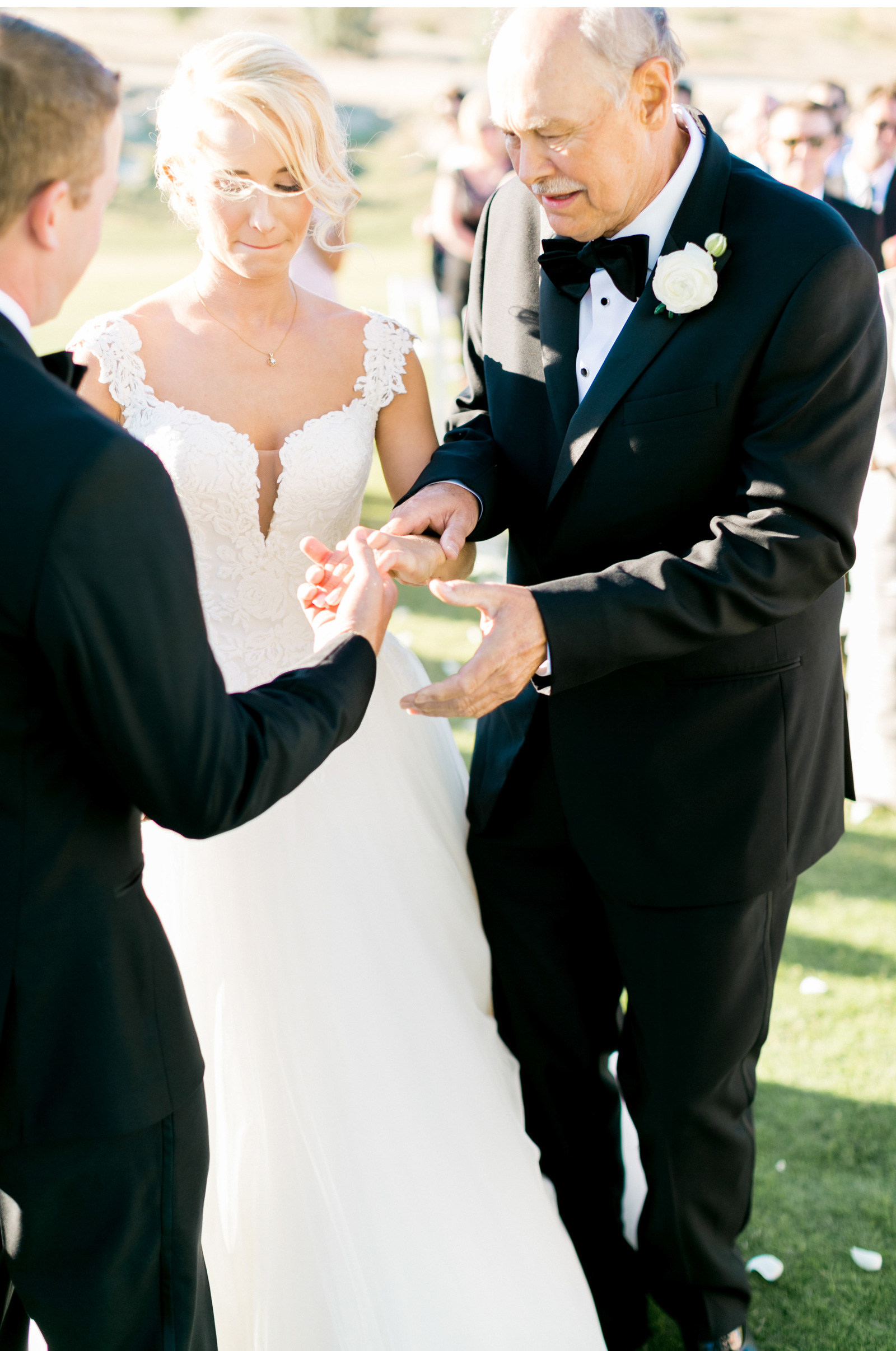 Style-Me-Pretty-Cabo-Wedding-Natalie-Schutt-Photography_11.jpg