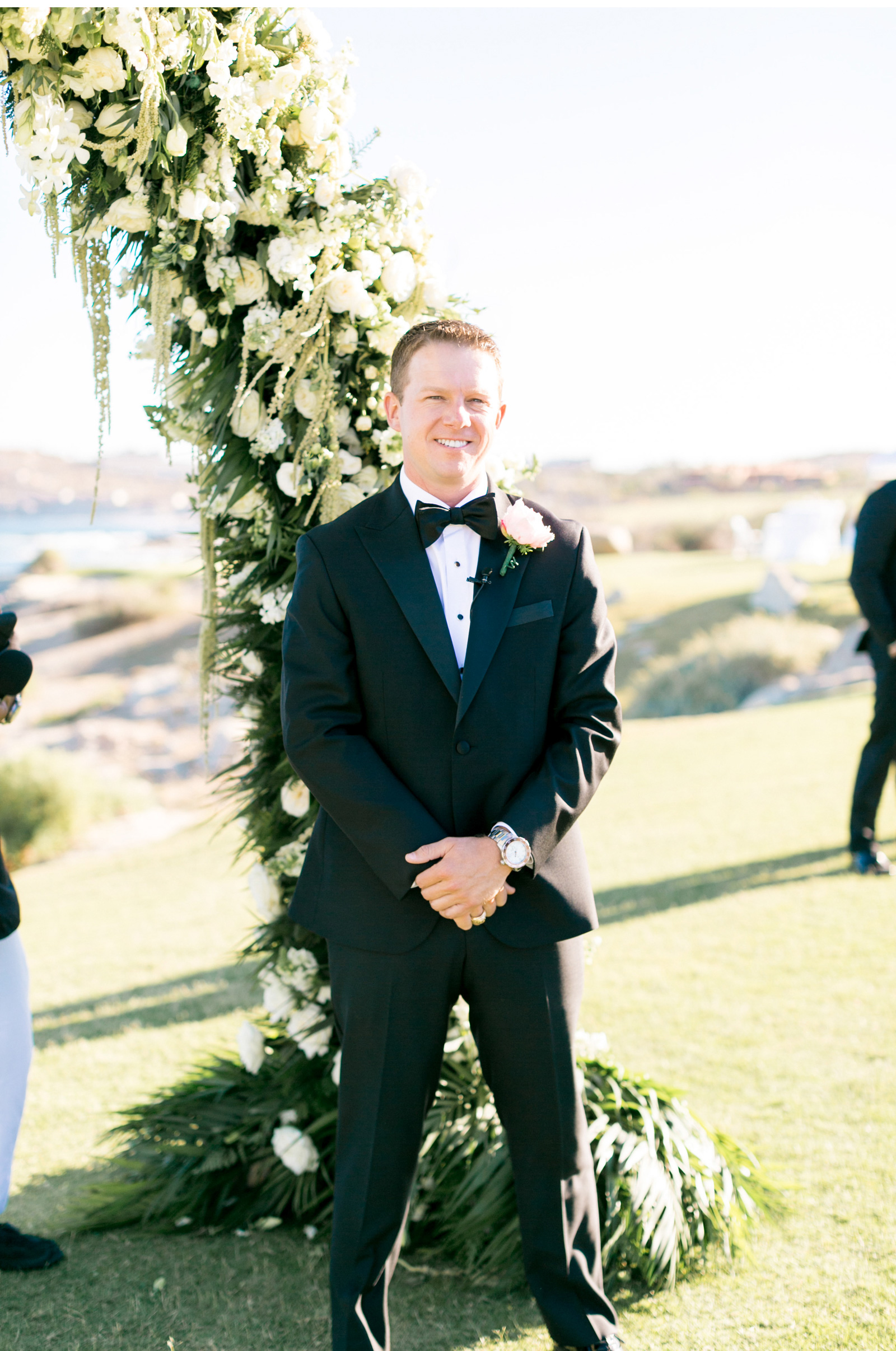 Style-Me-Pretty-Cabo-Wedding-Natalie-Schutt-Photography_16.jpg