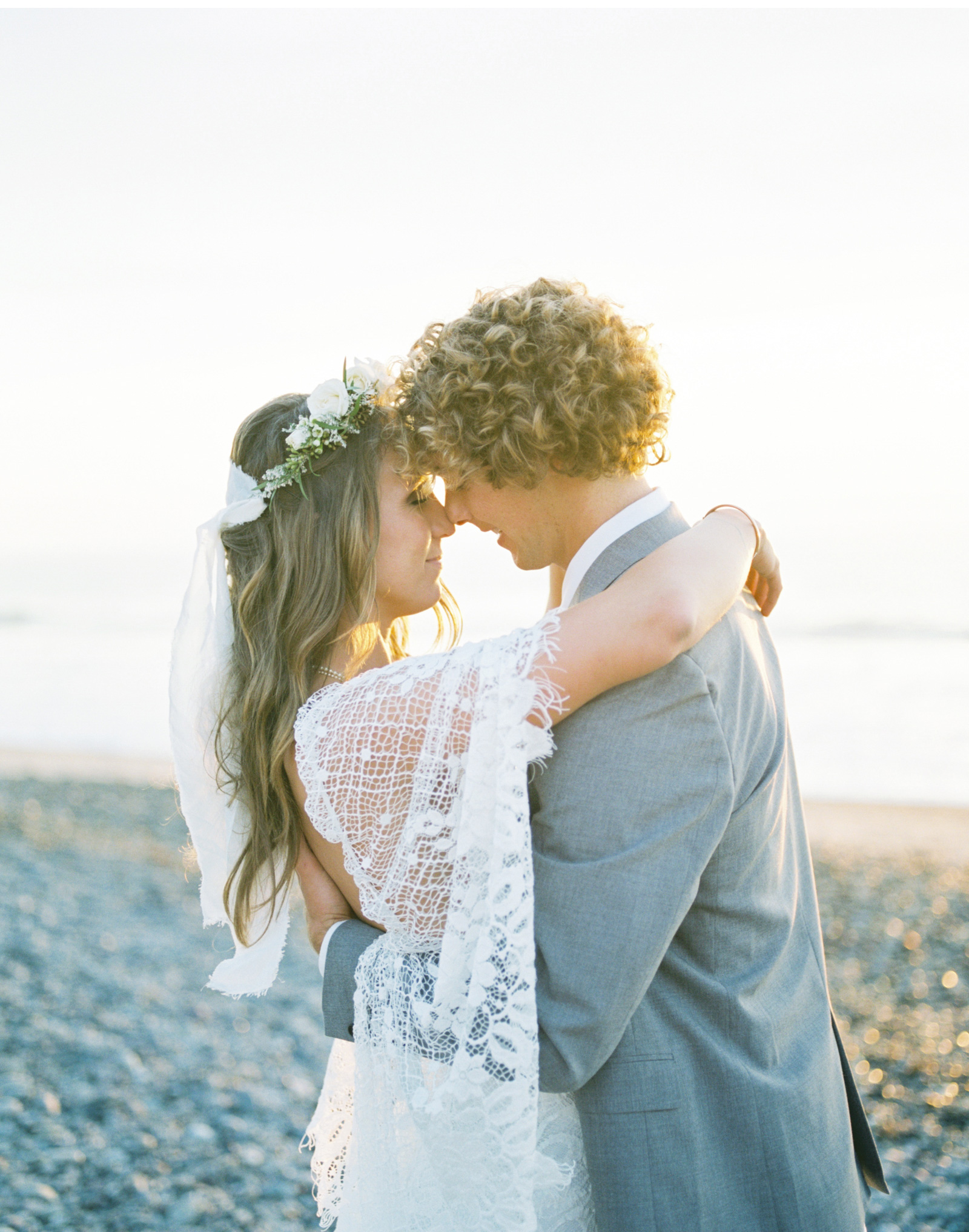 Surf-Wedding-Natalie-Schutt-Photography-Wedding-Chicks_16.jpg