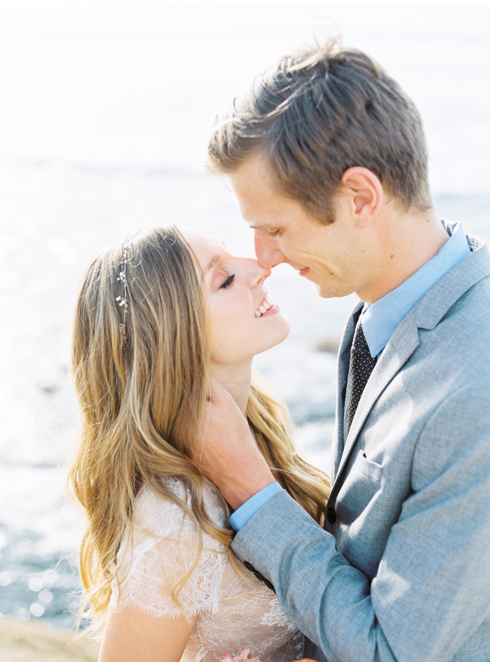 Style-Me-Pretty-California-Beach-Wedding-Natalie-Schutt-Photography_12.jpg