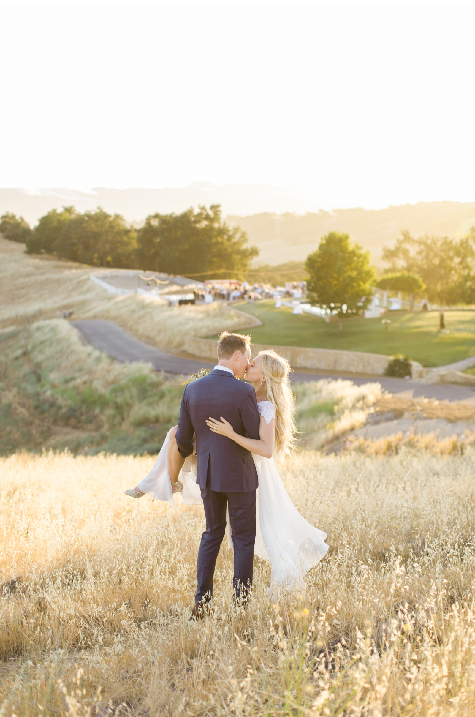 Style-Me-Pretty-California-Wedding-San-Luis-Obispo-Paso-Robles-Natalie-Schutt-Photography_18.jpg
