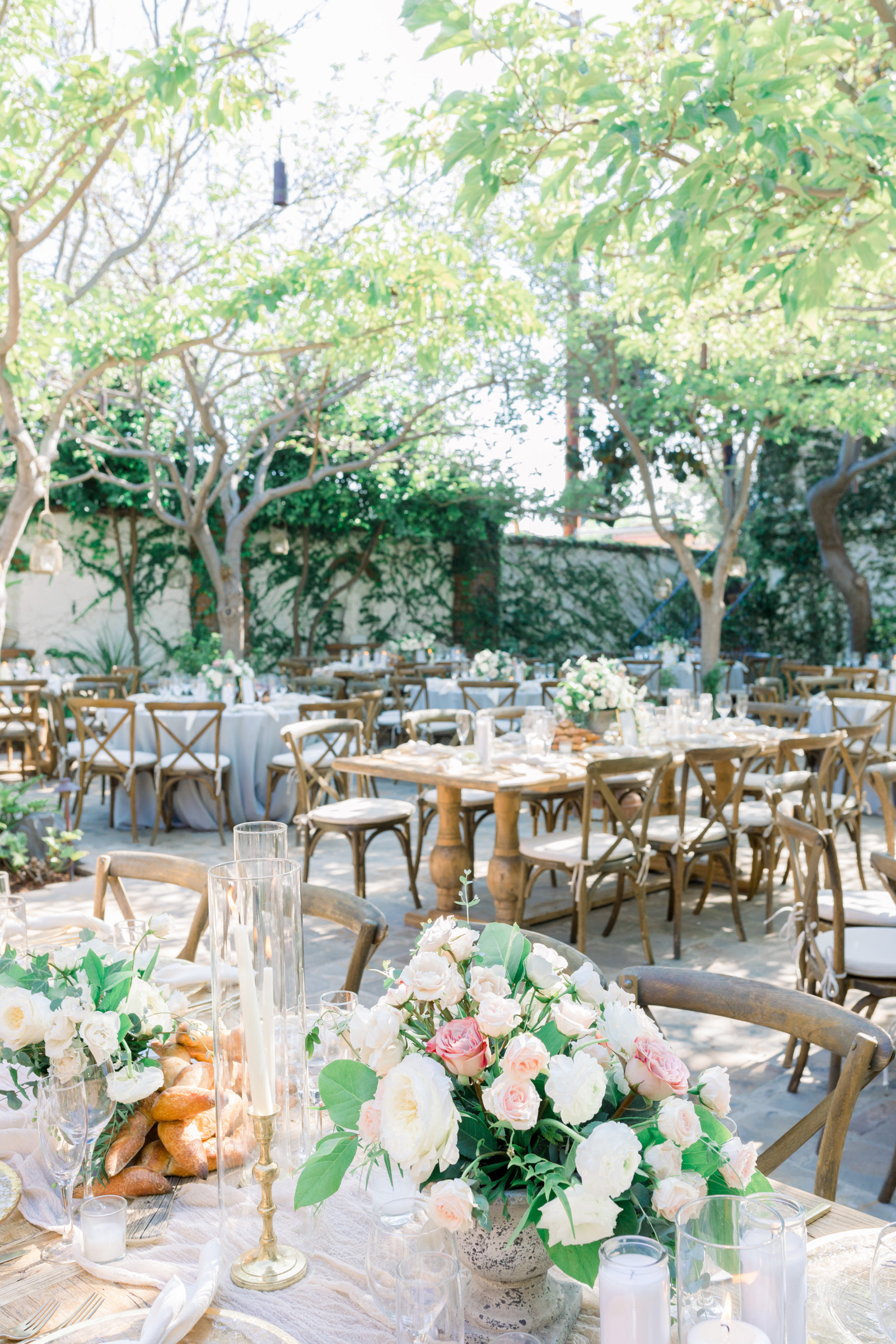 Malibu-Rocky-Oaks-Photographer-Malibu-Wedding-Style-Me-Pretty-Southern-California-Wedding-Venues-Natalie-Schutt-Photography_02.jpg