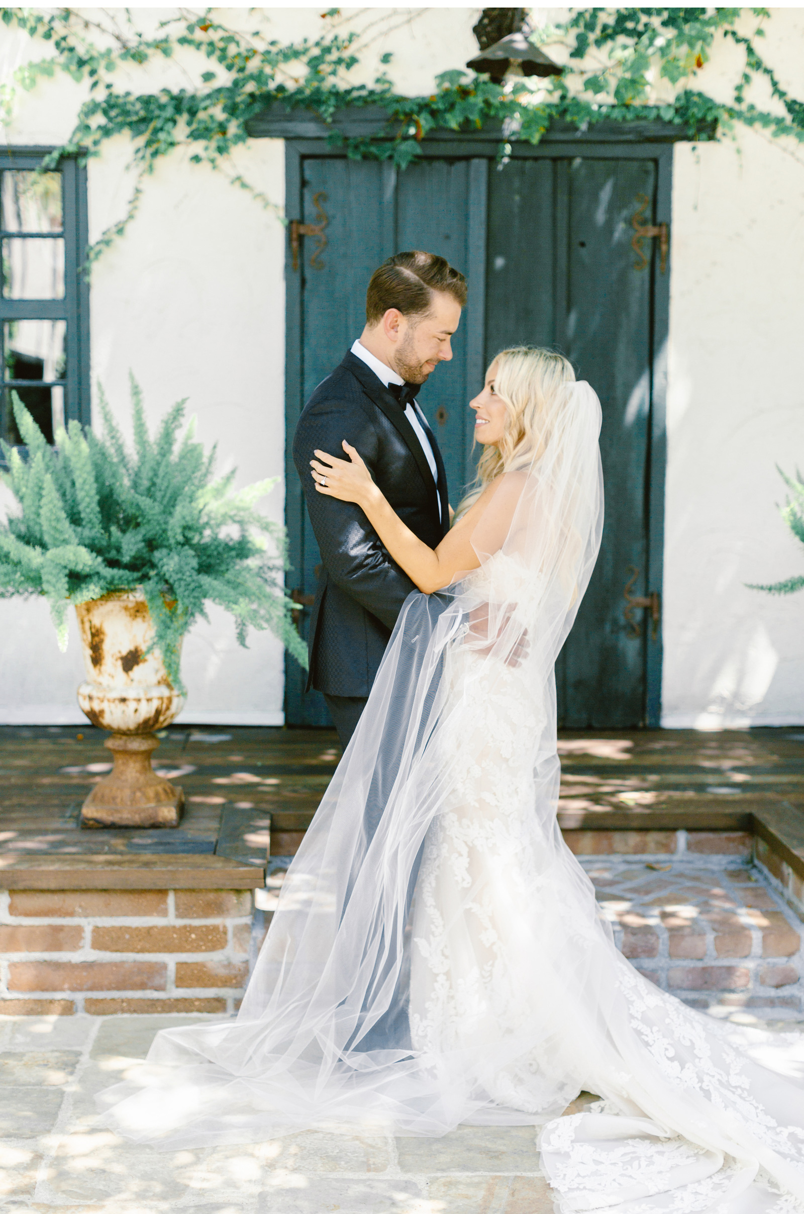 San-Juan-Capistrano-Wedding-Photographer-Malibu-Weddings-Malibu-Wedding-Venues-Natalie-Schutt-Photographer_12.jpg