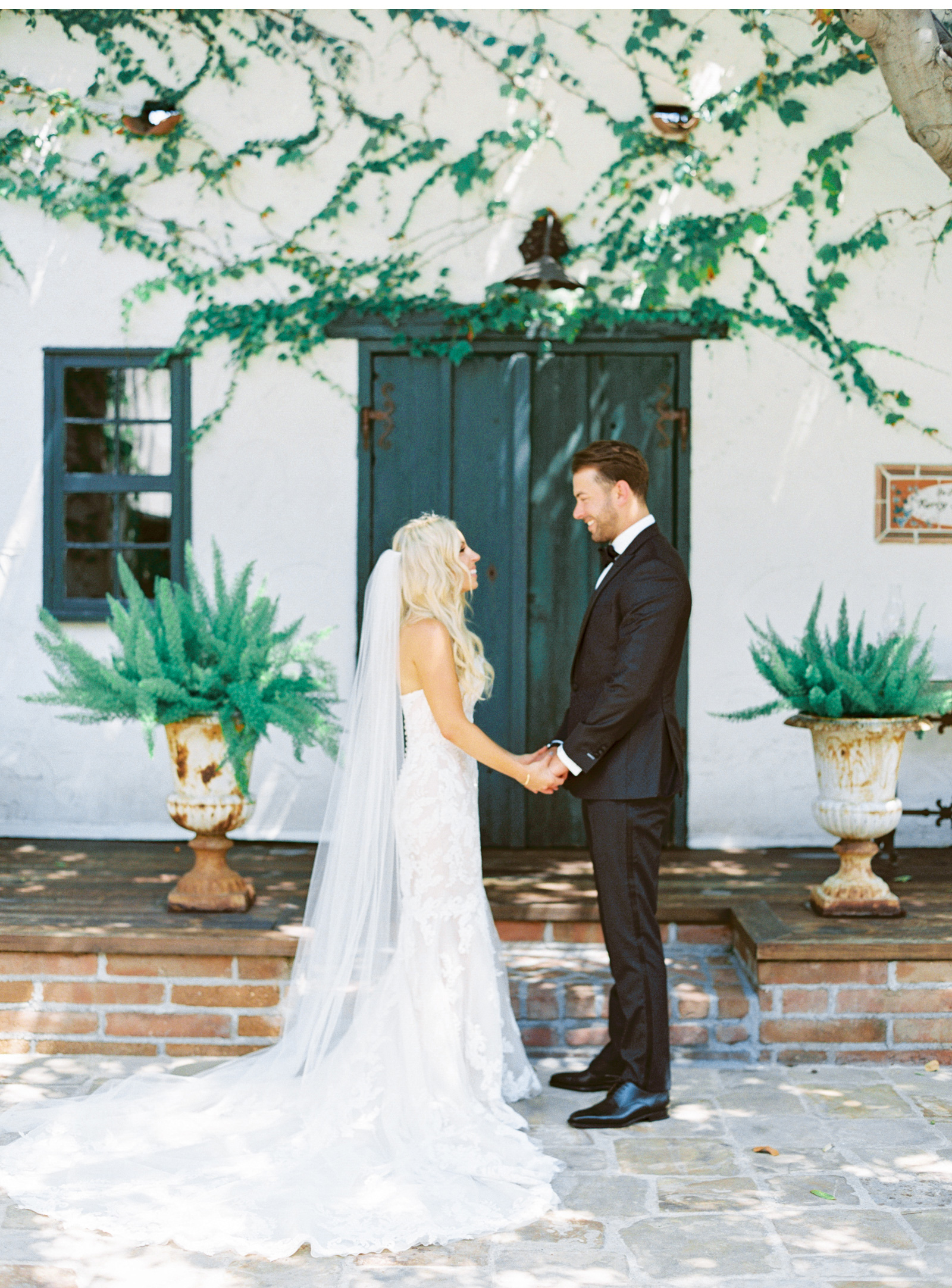 San-Juan-Capistrano-Wedding-Photographer-Southern-California-Wedding-Venues-Malibu-Wedding-Photographer-Natalie-Schutt-Photography_05.jpg