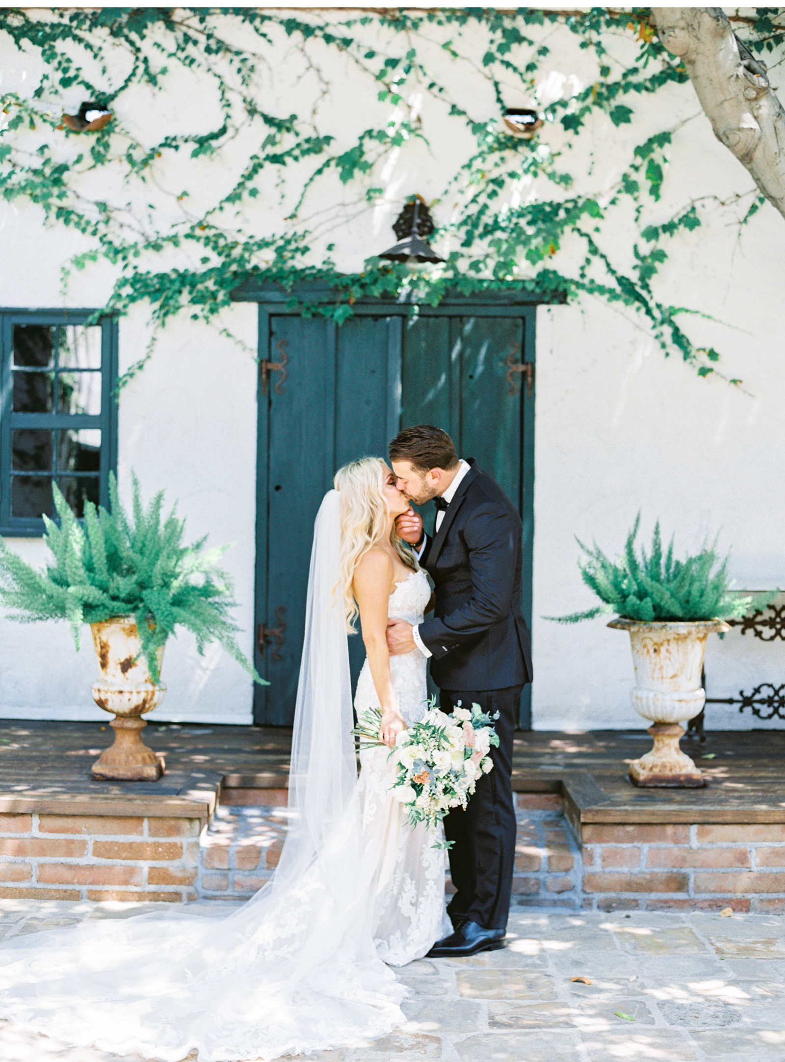 San-Juan-Capistrano-Wedding-Photographer-Southern-California-Wedding-Venues-Malibu-Wedding-Photographer-Natalie-Schutt-Photography_06.jpg