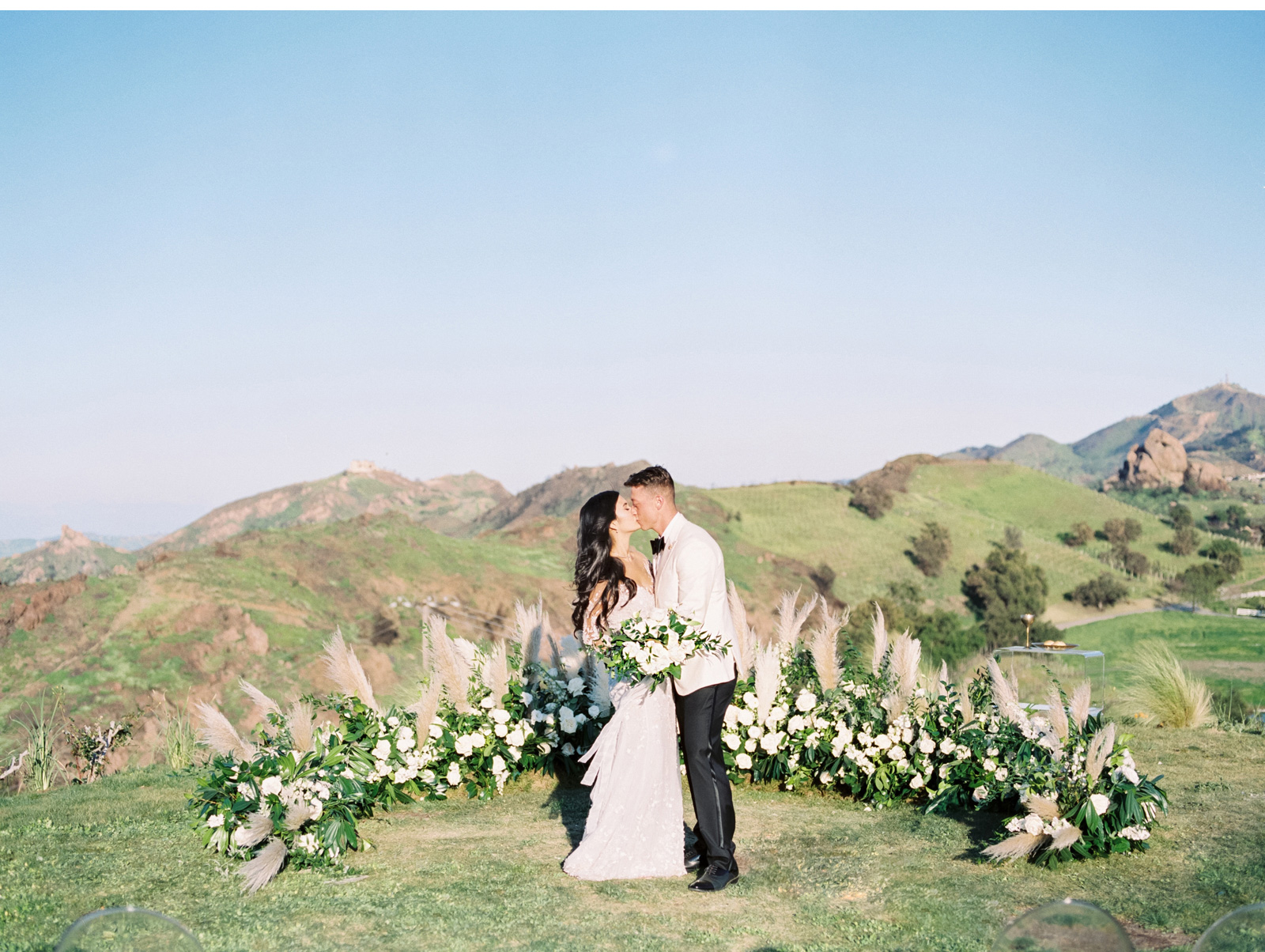 Malibu-Rocky-Oaks-Wedding-Style-Me-Pretty-Southern-California-Wedding-Venues-Fine-Art-Wedding-Photogrpaher-Natalie-Schutt-Photography_09.jpg