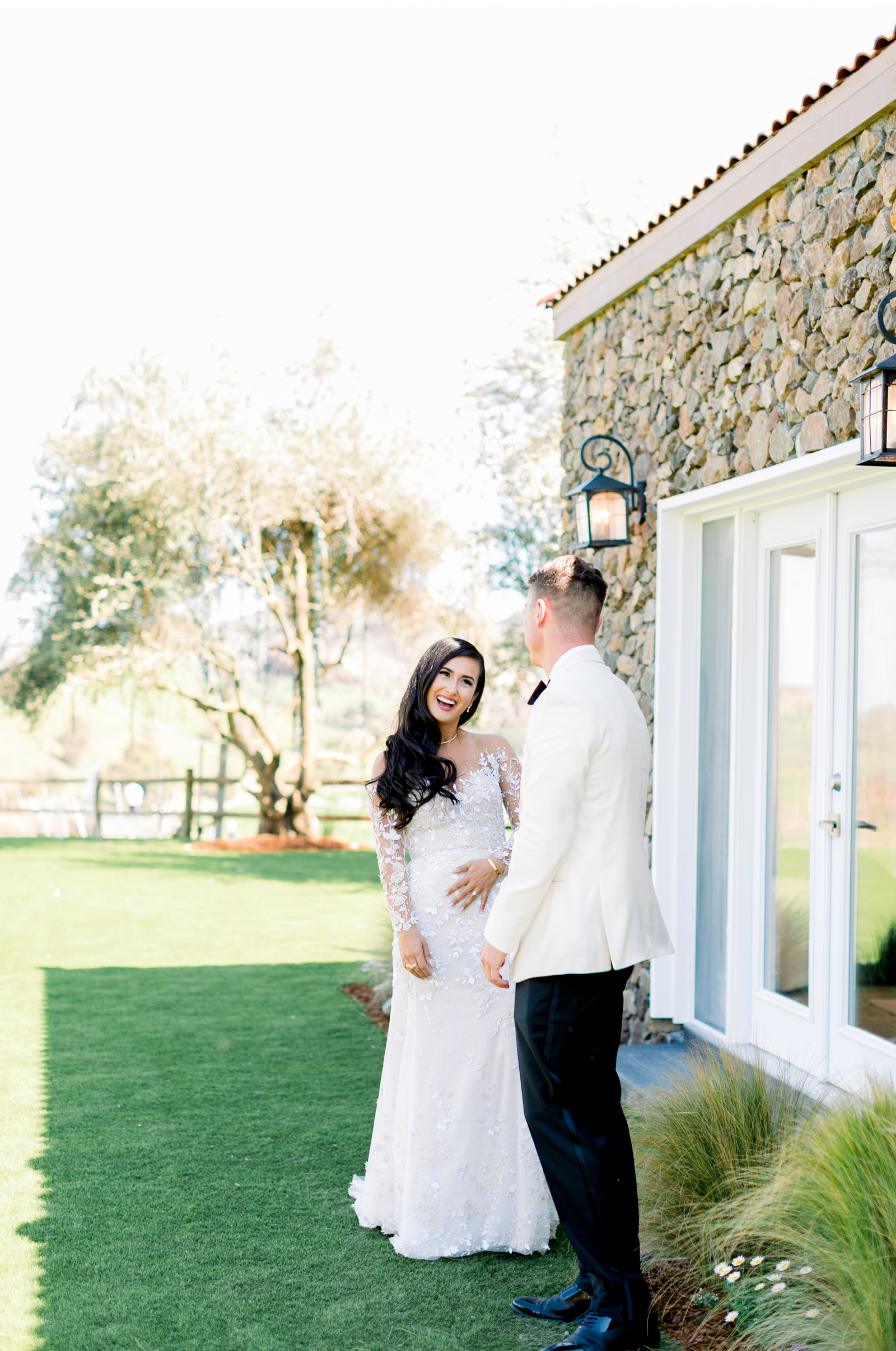 Southern-California-Wedding-Photographer-Natalie-Schutt-Photography-Style-Me-Pretty-Malibu-Rocky-Oaks-Photographer_15.jpg