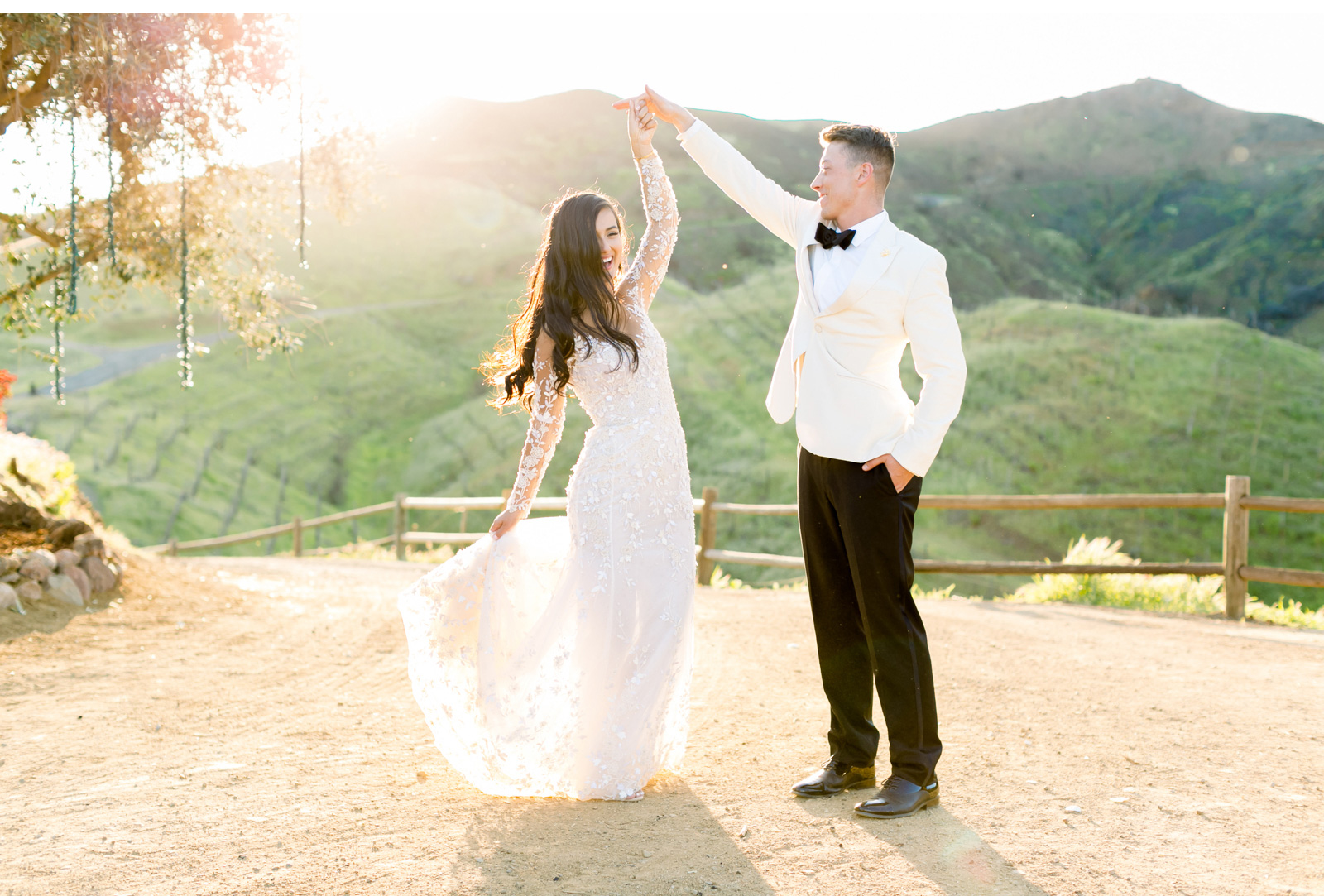 Style-Me-Pretty-Malibu-Wedding-Photogrpaher-Southern-California-Wedding-Photographer-Natalie-Schutt-Photography-_02.jpg