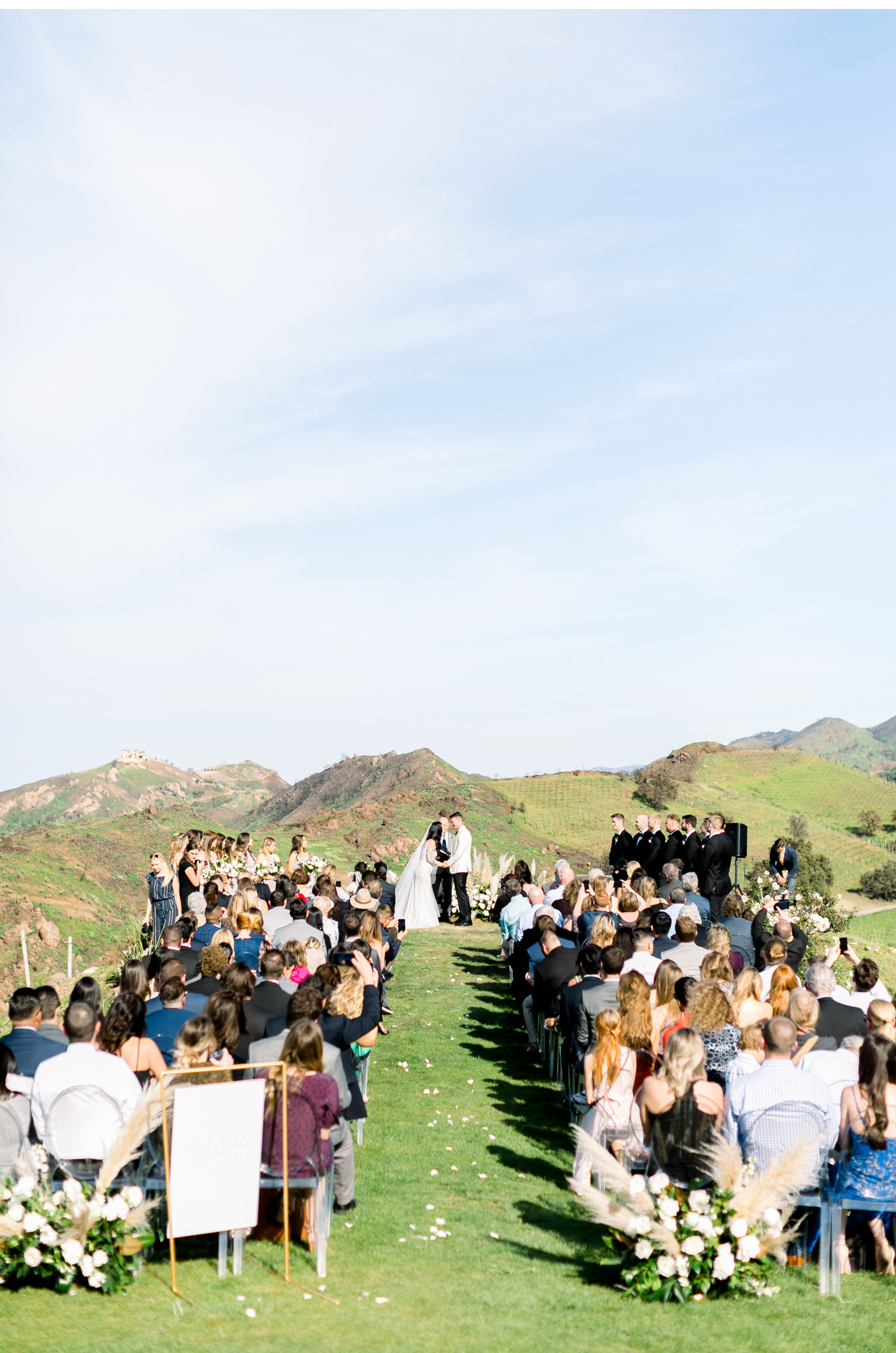 Style-Me-Pretty-Malibu-Wedding-Photogrpaher-Southern-California-Wedding-Photographer-Natalie-Schutt-Photography-_13.jpg