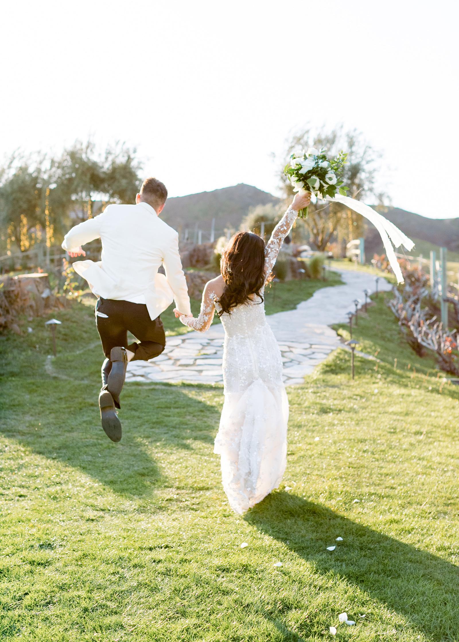 Style-Me-Pretty-Malibu-Wedding-Venues-Southern-California-Wedding-Photographer-Triunfo-Creek-Malibu-Photographer-Natalie-Schutt-Photography_01.jpg