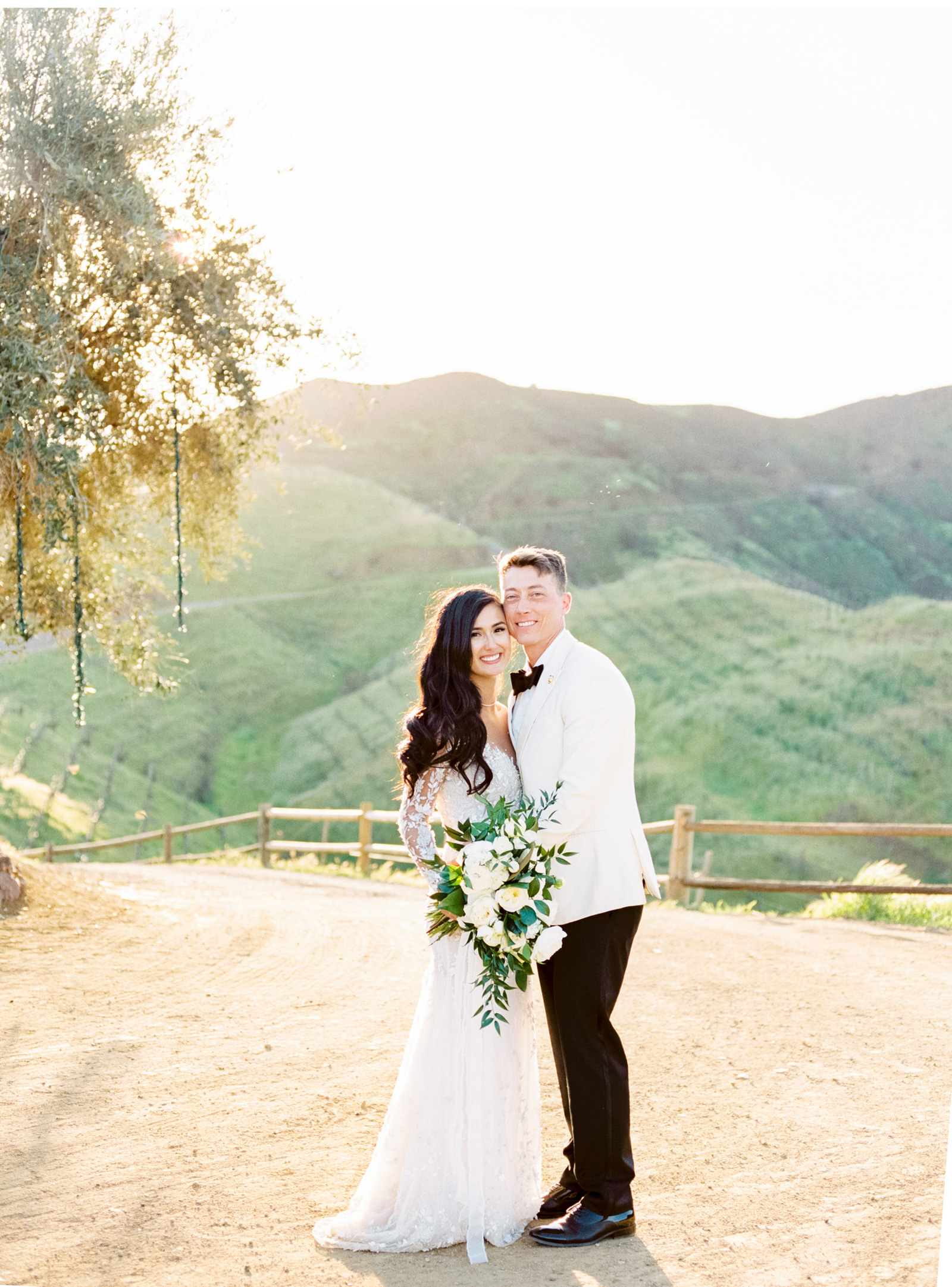 West-Coast-Weddings-Southern-California-Wedding-Photographer-Style-Me-Pretty-Fine-Art-Triunfo-Creek-Malibu-Natalie-Schutt-Photography_04.jpg