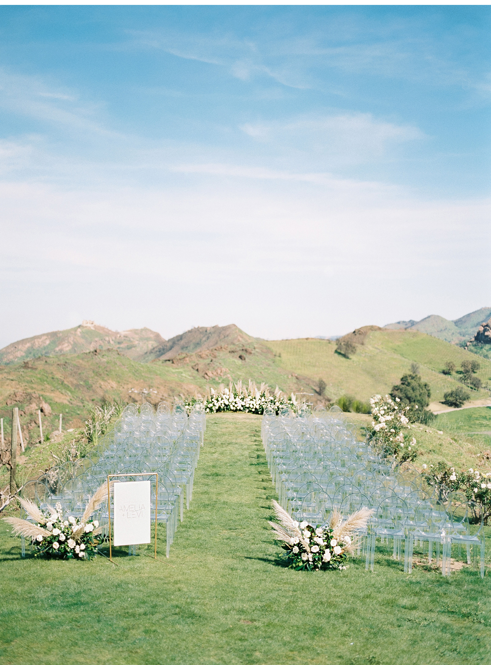 Style-Me-Pretty-2019-Romantic-Minimalist-Malibu-Wedding-Natalie-Schutt-Photography-Saddlerock-Ranch_03.jpg
