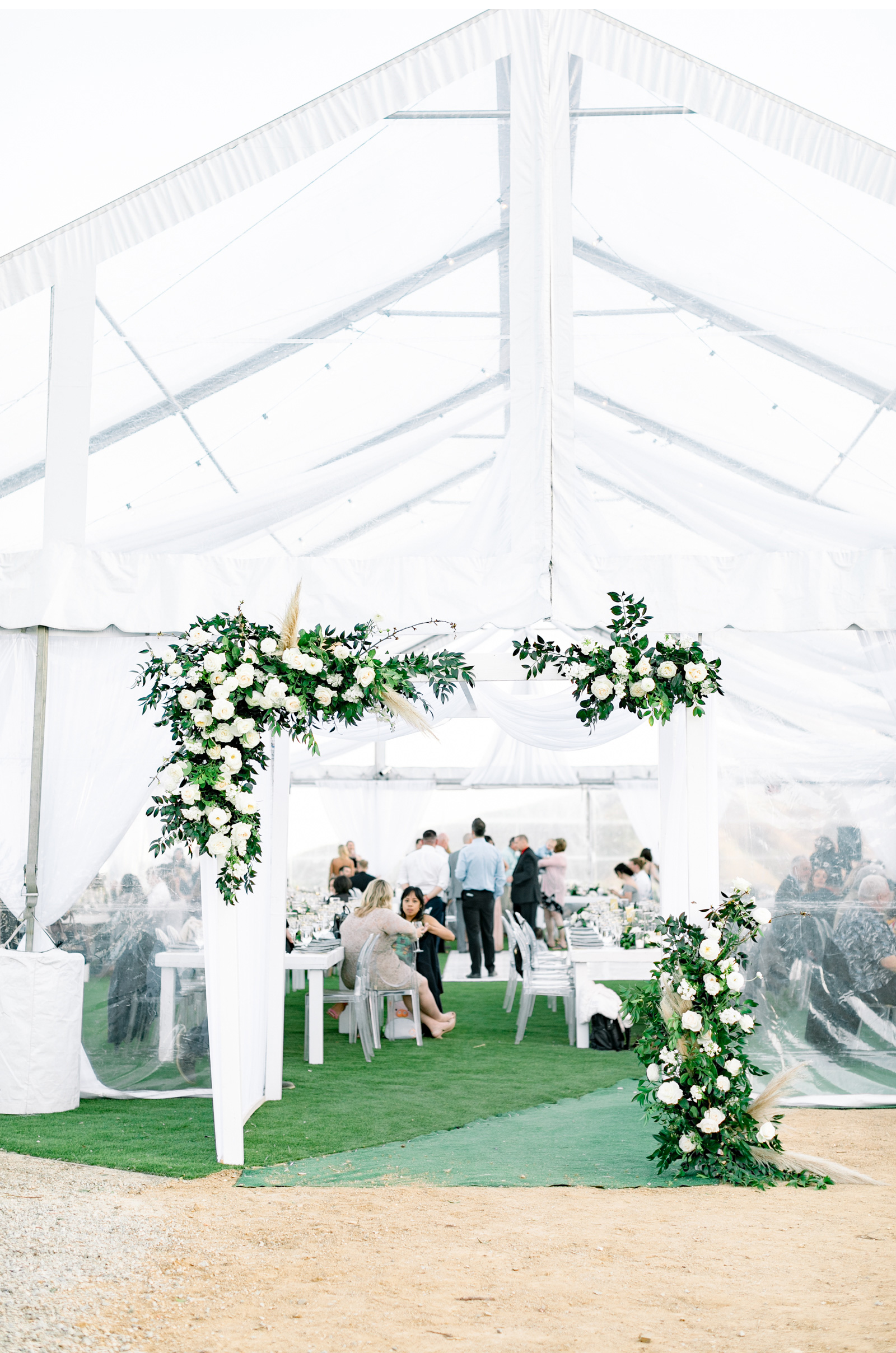 Style-Me-Pretty-2019-Romantic-Minimalist-Malibu-Wedding-Natalie-Schutt-Photography-Saddlerock-Ranch_04.jpg