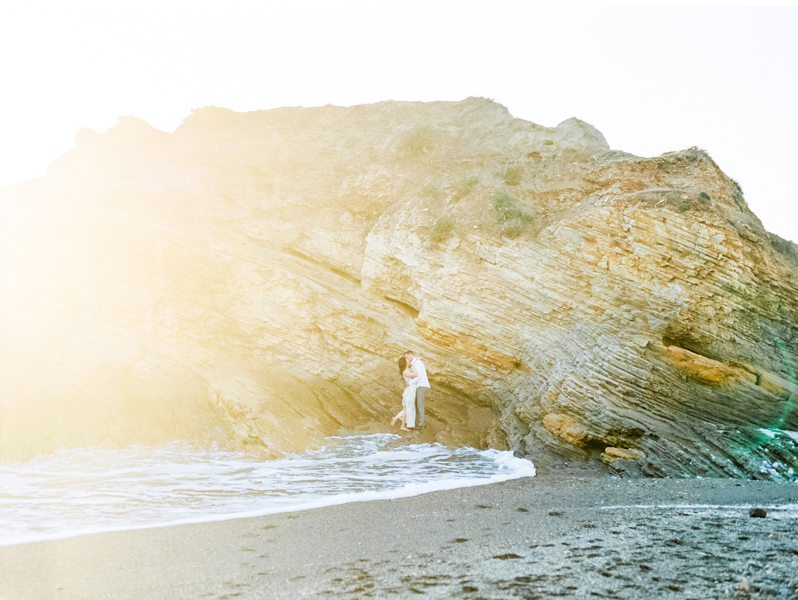 Natalie-Schutt-Photography-Malibu-Engagements-Malibu-Wedding-Beachside-Wedding-Fine-Art-Wedding-Photography-Southern-California-Brides_07.jpg