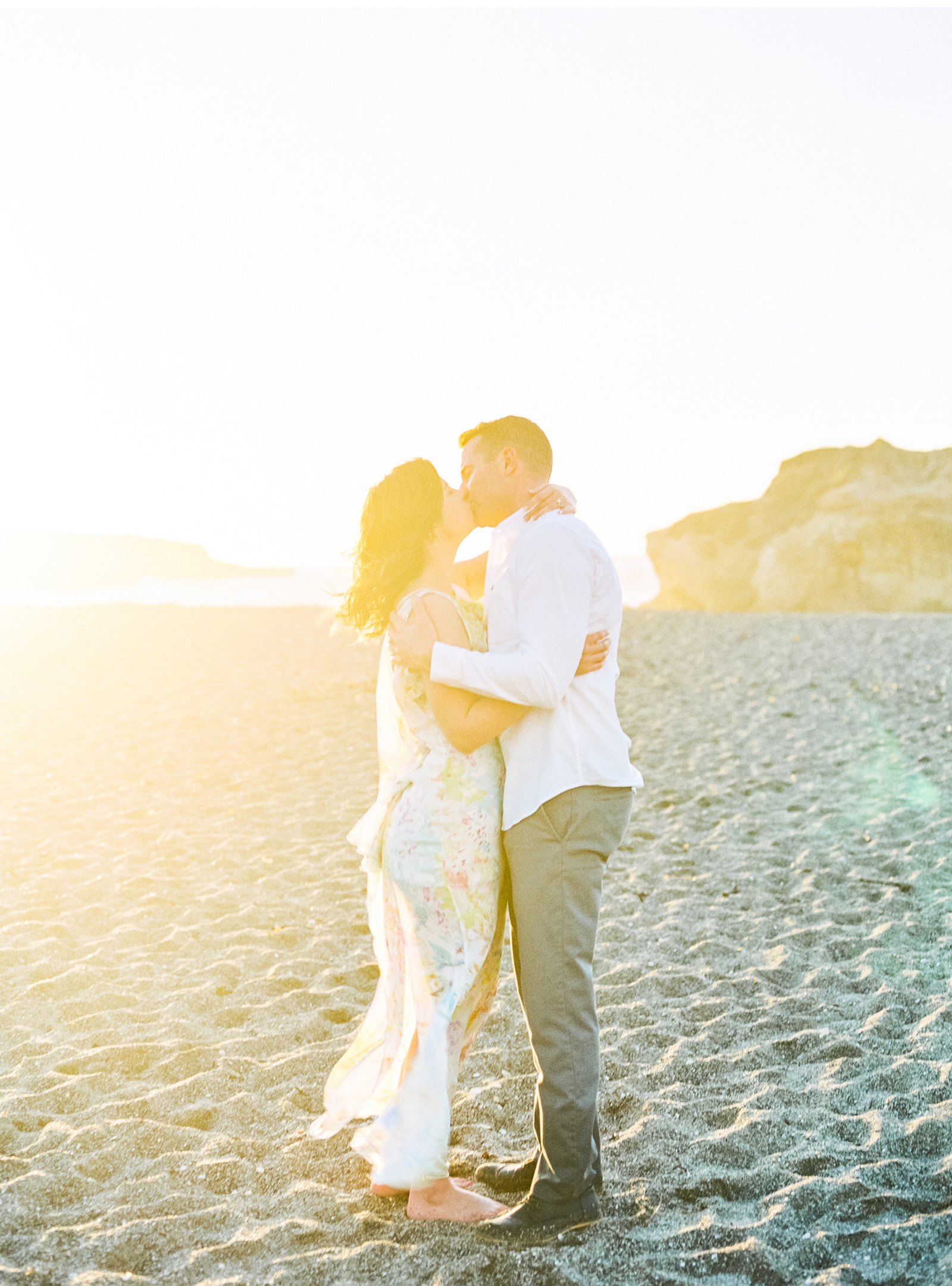 Natalie-Schutt-Photography-Malibu-Engagements-Malibu-Wedding-Beachside-Wedding-Fine-Art-Wedding-Photography-Southern-California-Brides_06.jpg