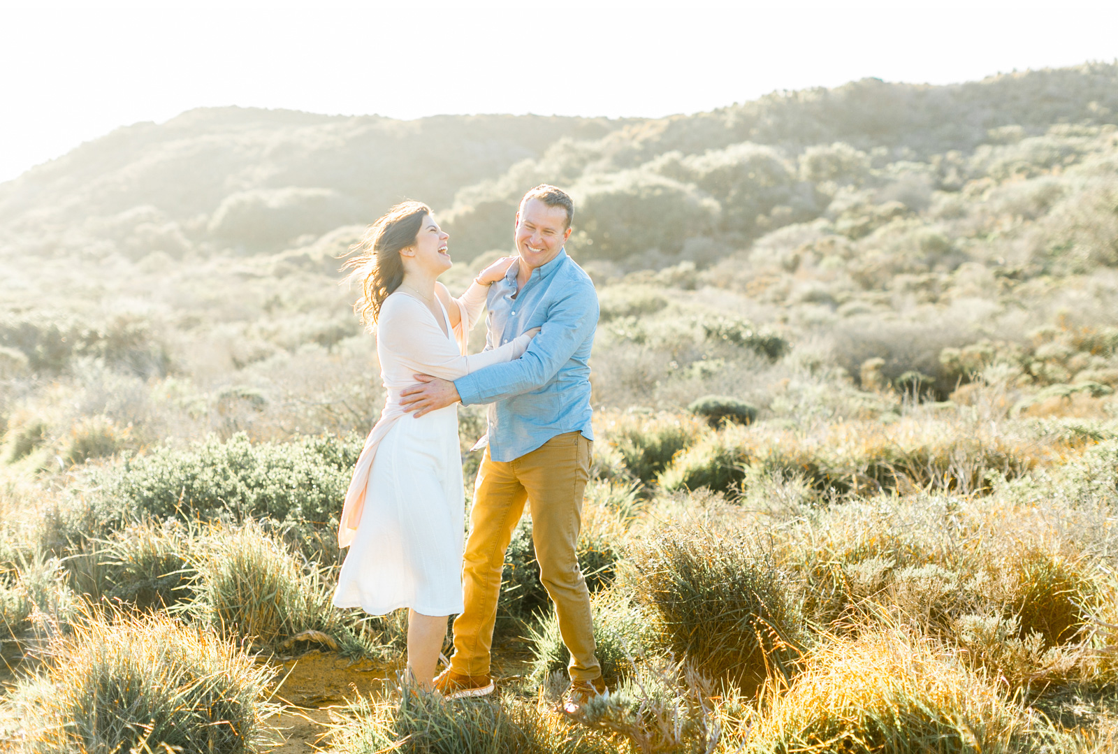 Professional-Wedding-Photographer-Southern-California-Weddings-Malibu-Engagement-Natalie-Schutt-Photography-Style-Me-Pretty-Beachside-Engagement_02.jpg