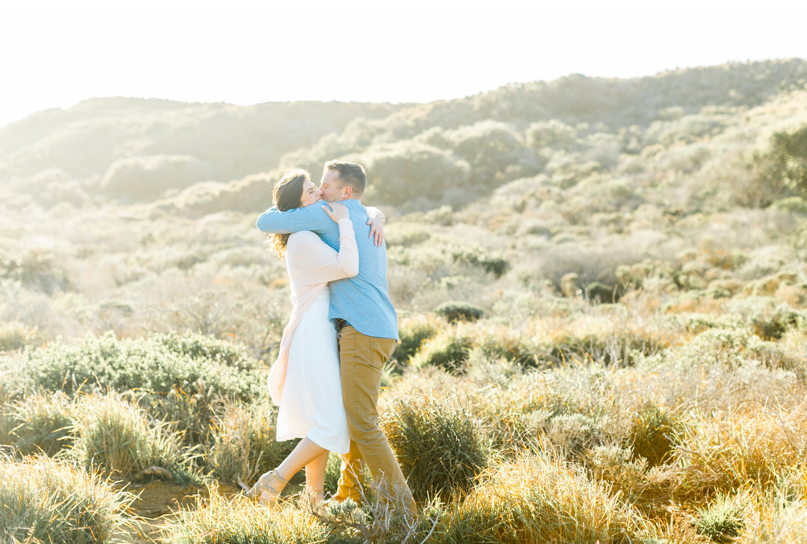 Professional-Wedding-Photographer-Southern-California-Weddings-Malibu-Engagement-Natalie-Schutt-Photography-Style-Me-Pretty-Beachside-Engagement_03.jpg