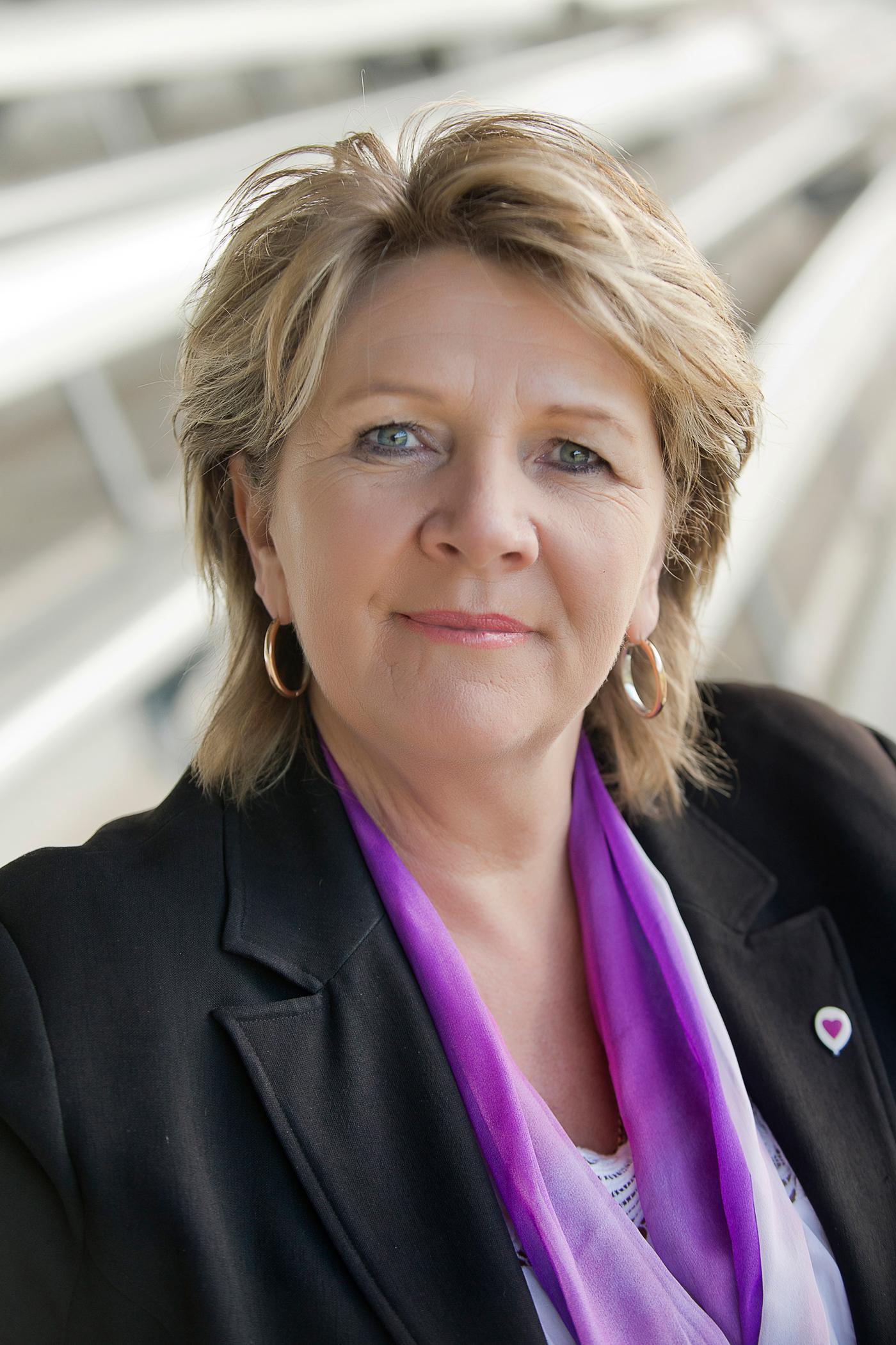Hetty Johnston Main Profile Picture.jpg