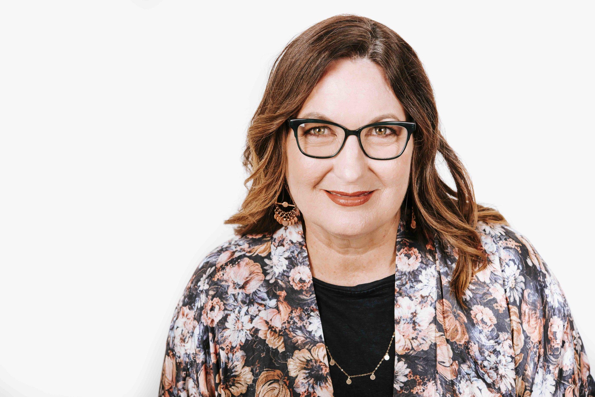 Lynne Cazaly 2019 Headshot Colour .jpg