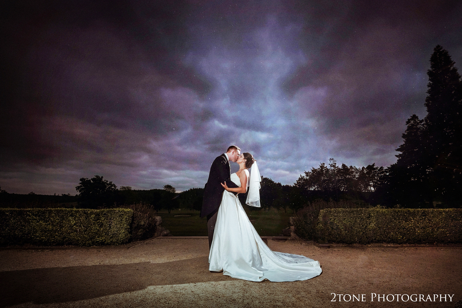 The lastshot of the day, a romantic photograph and a dramatic sky, what a perfect way to end the day.