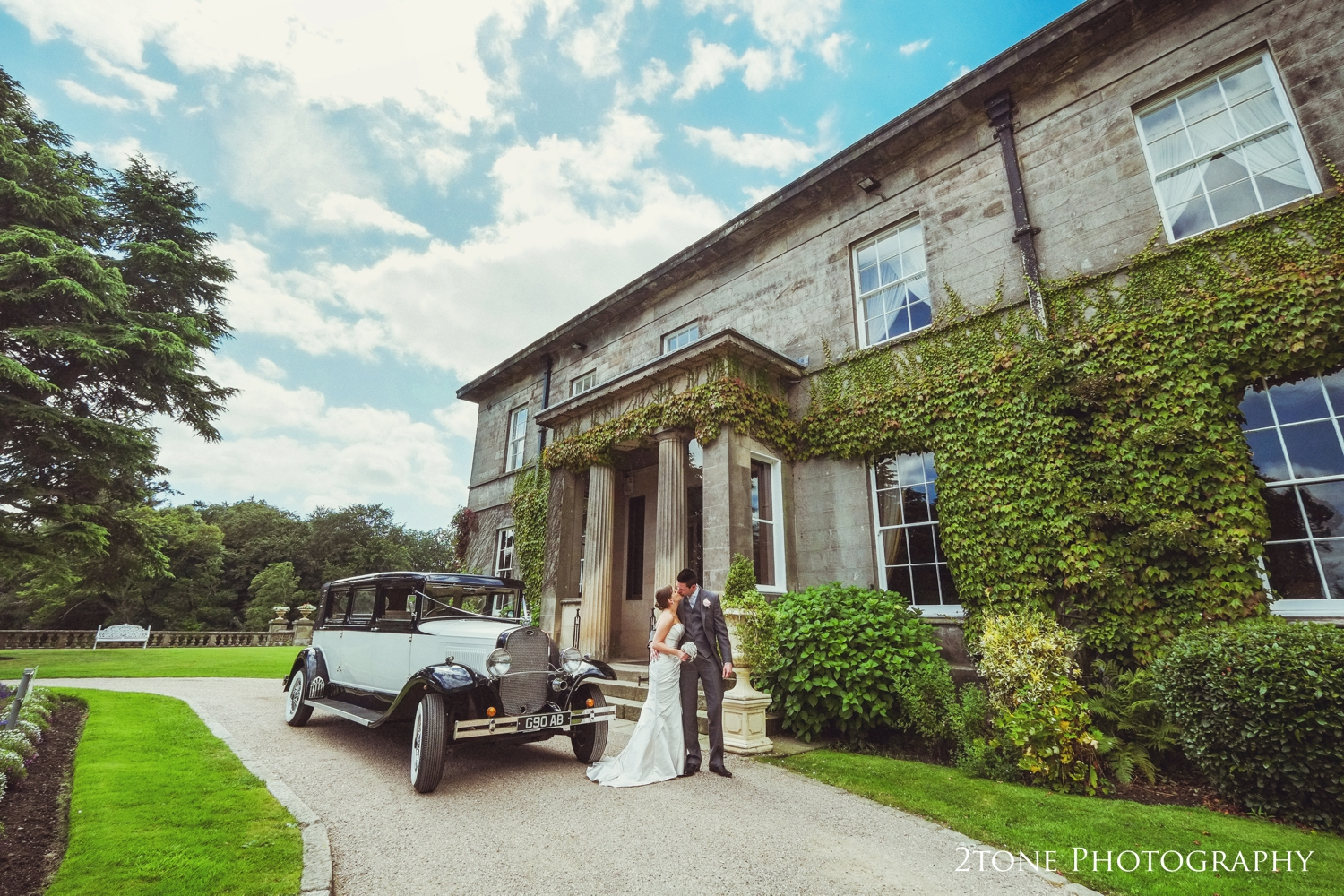 Before the vintage wedding car head's off and the wedding guests arrive, we make a little time for a few pictures.