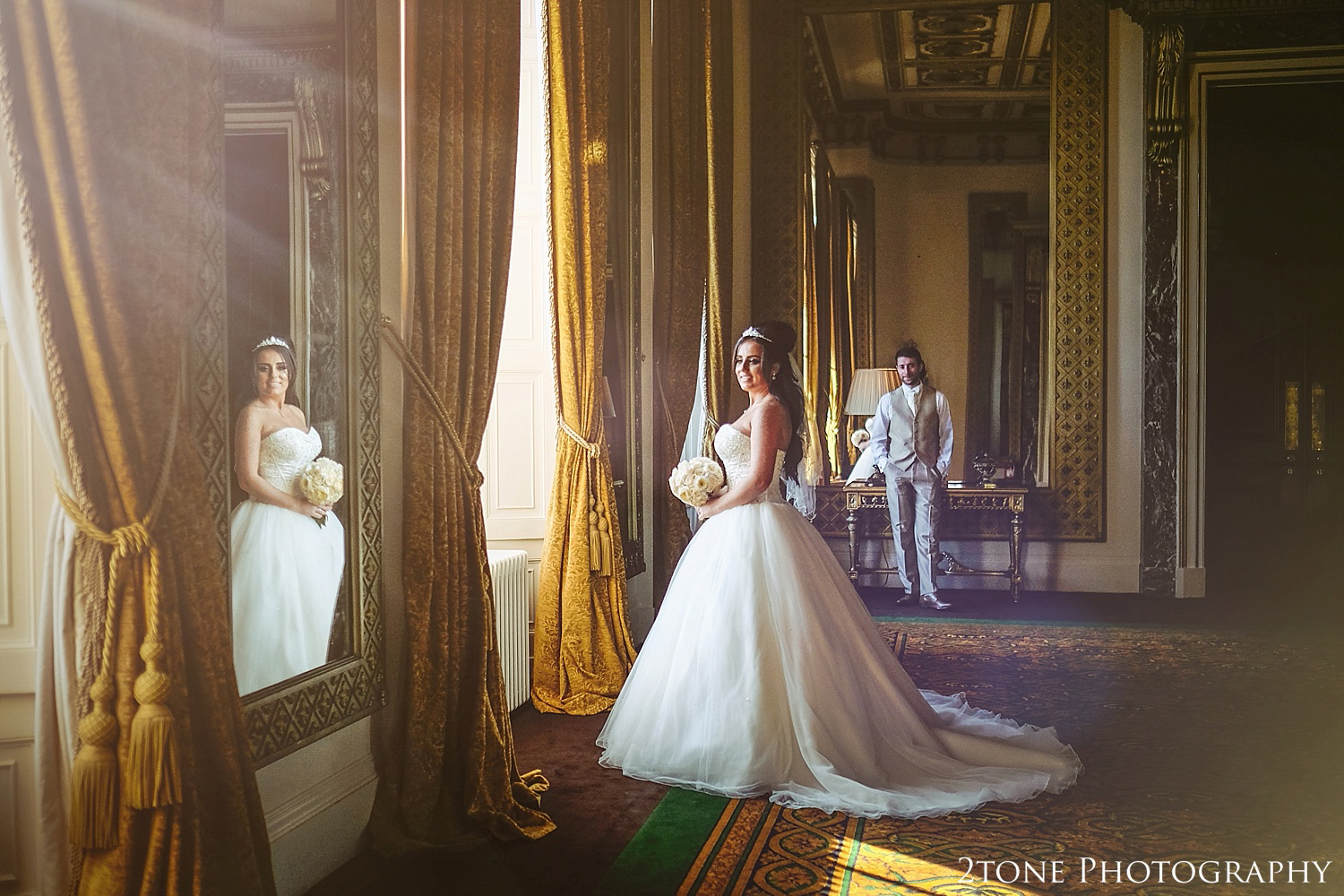 The mirror room, Wynyard Hall by Newcastle and Durham based Wedding Photographer www.2tonephotography.co.uk