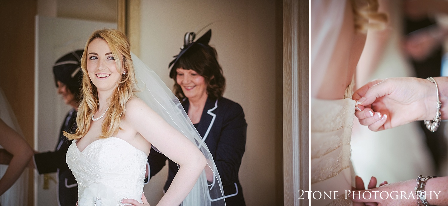 Bridal preparations by www.2tonephotograhy.co.uk