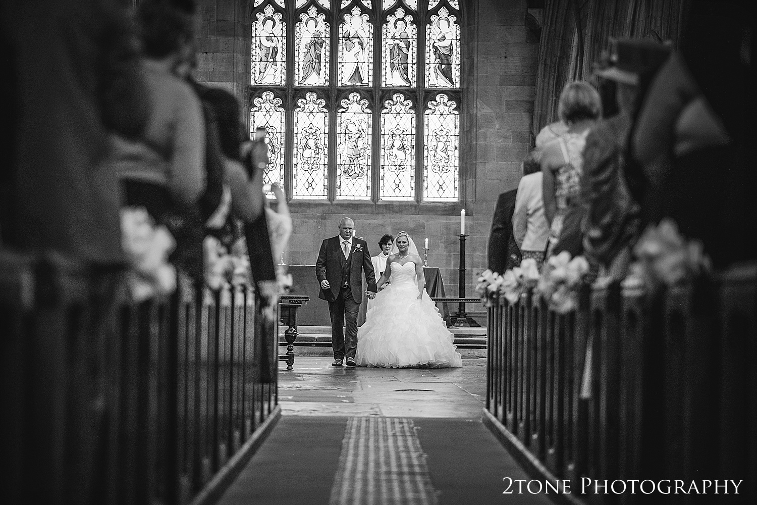 Alnwick church wedding by Newcastle and Durham based wedding photographers www.2tonephotography.co.uk