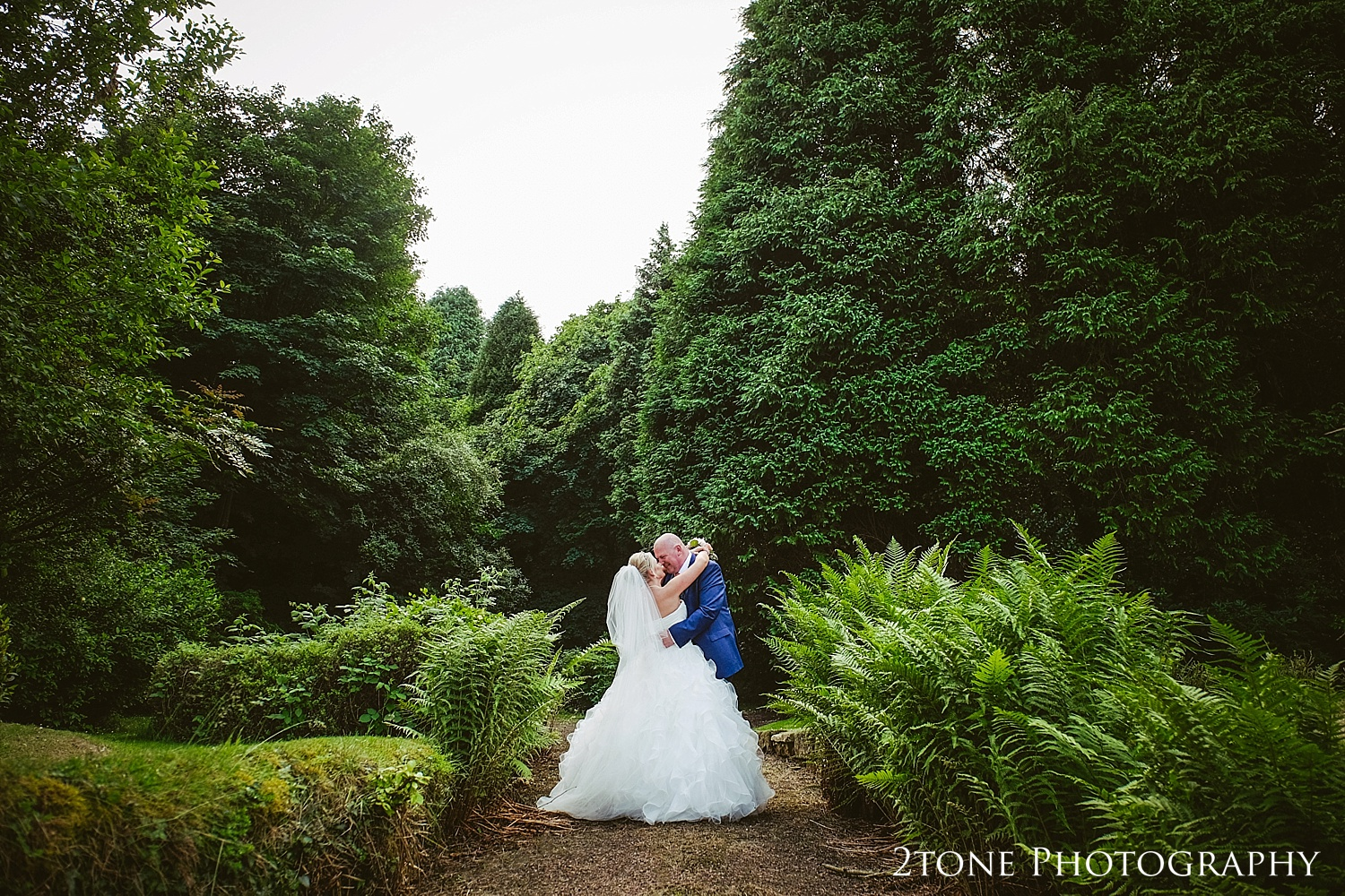 natural wedding photography by Newcastle and Durham based wedding photographers www.2tonephotography.co.uk
