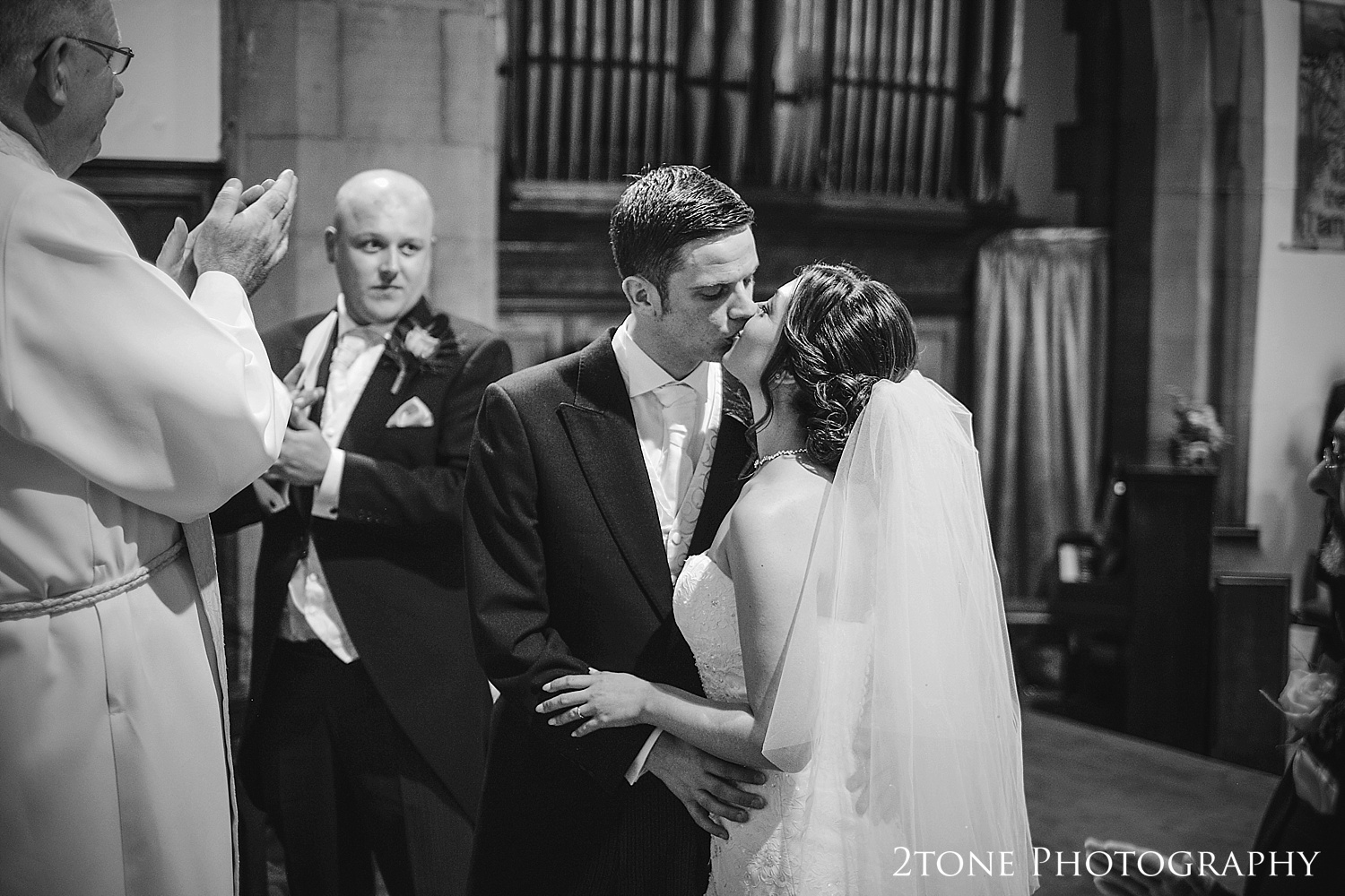 Church weddings in Seaham by Wedding Photographers based in Durham, www.2tonephotography.co.uk