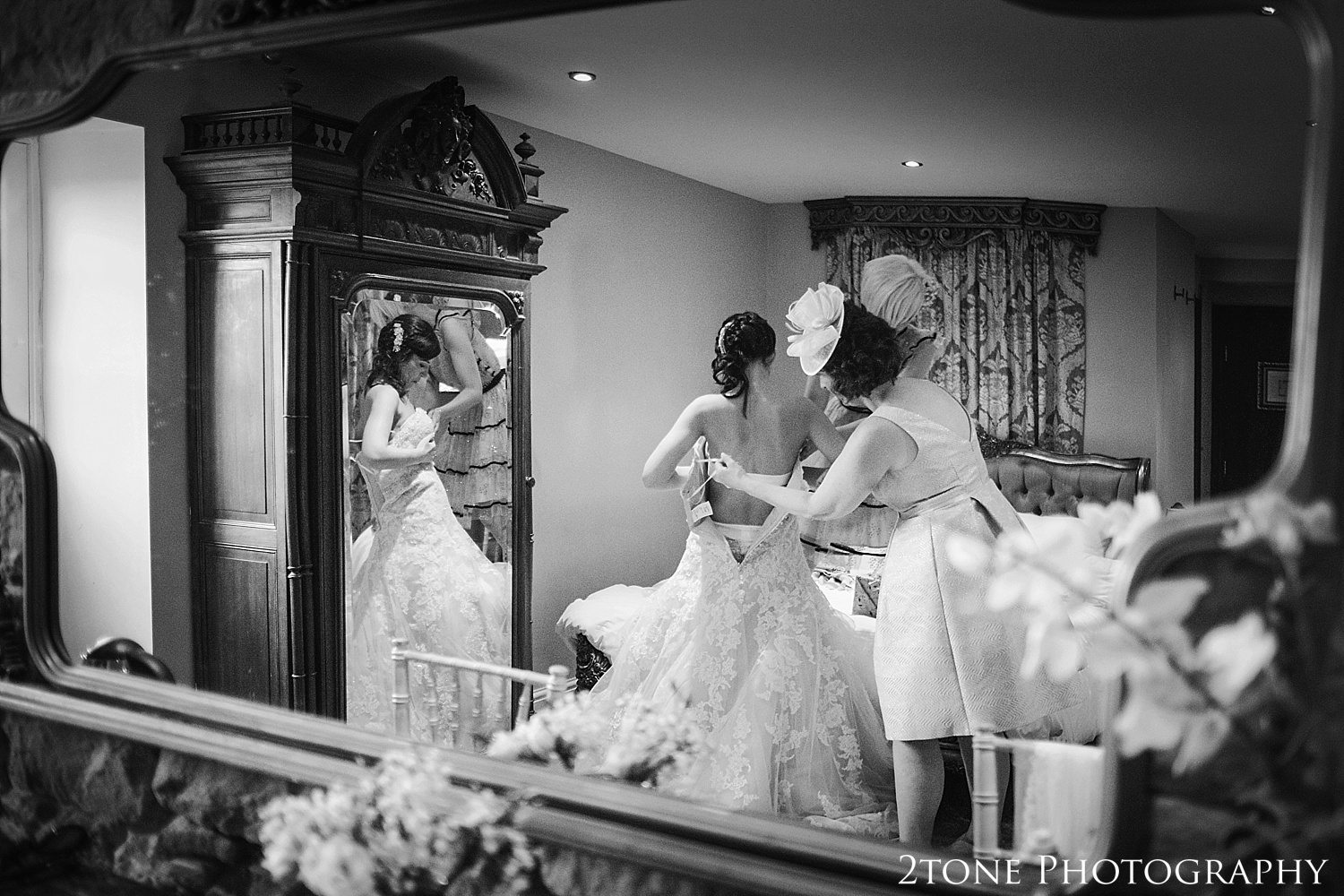 Bridal preparations in Newton Hall by wedding photographers based in Durham.  www.2tonephotography.co.uk