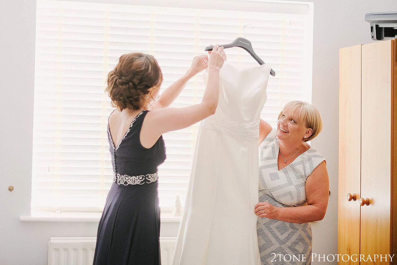 Healey Barn wedding photography 006.jpg