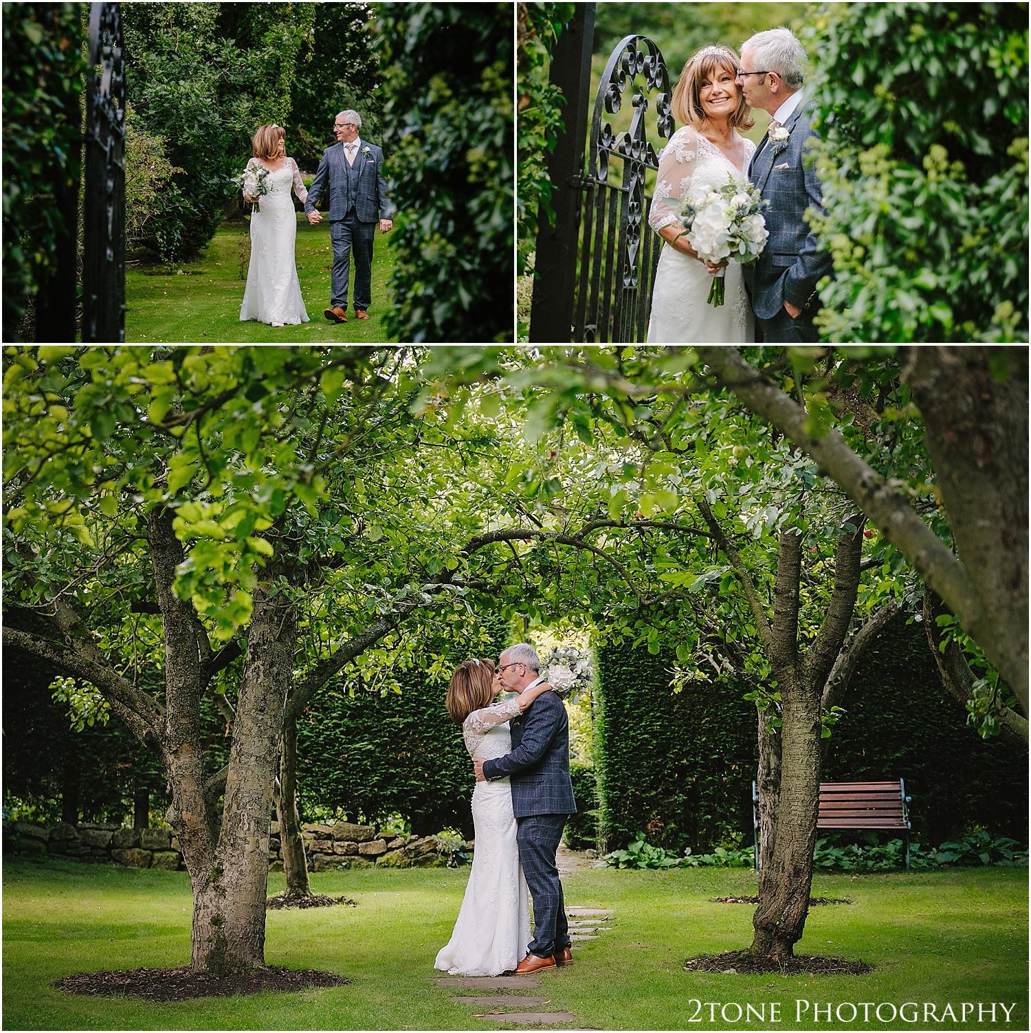 Crook Hall wedding photographer 032.jpg