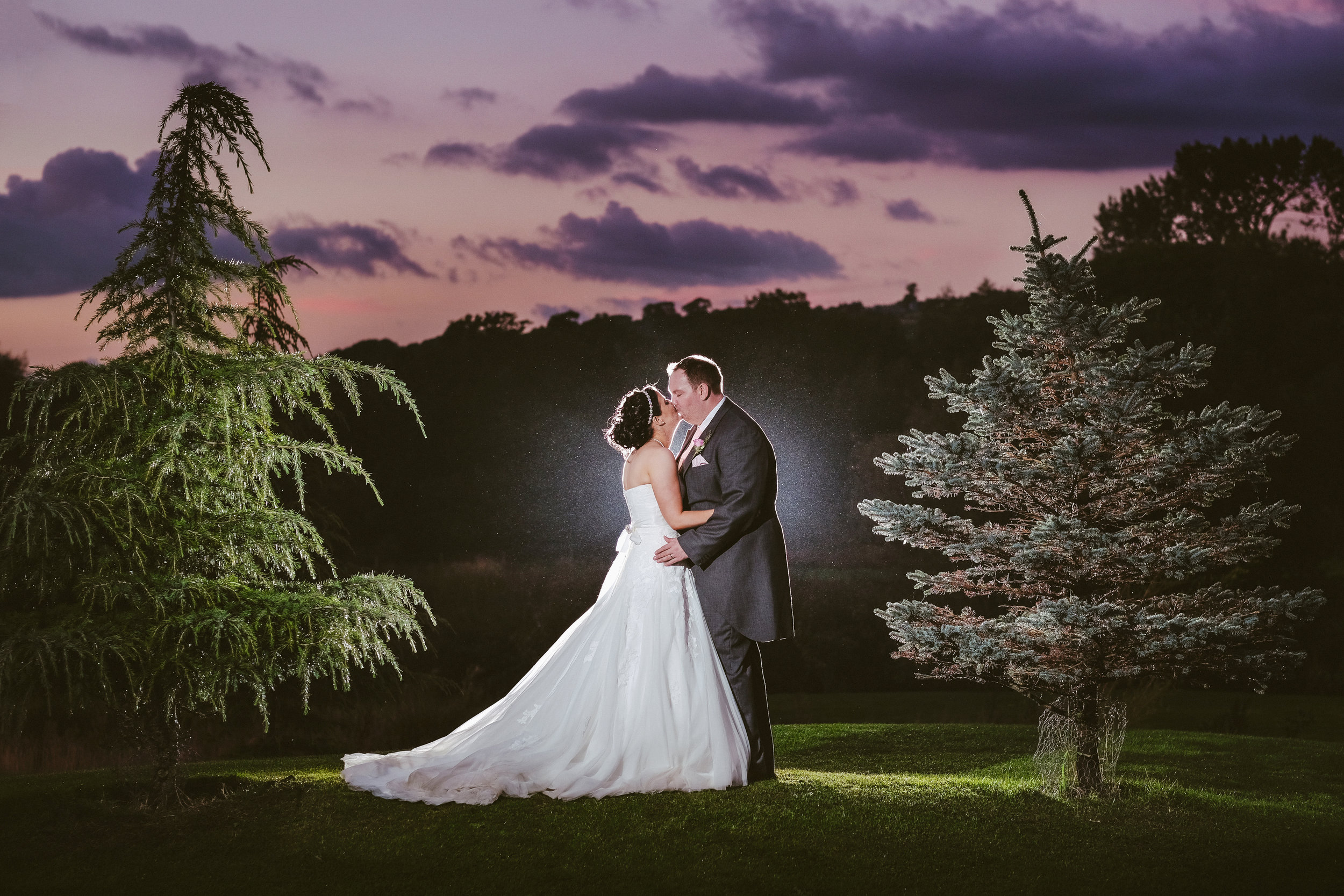 Get rid of nerves and look great in your wedding photographs