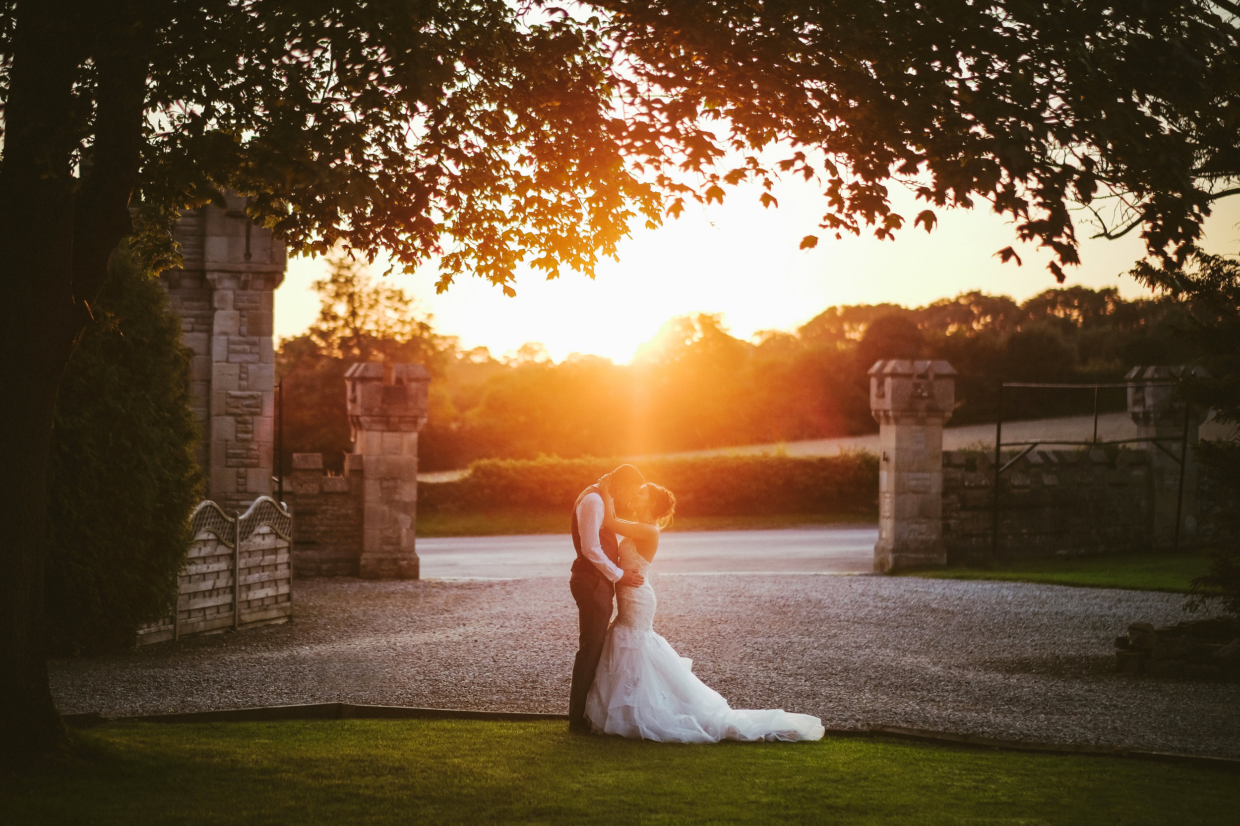 How to look and feel confident in your wedding photos