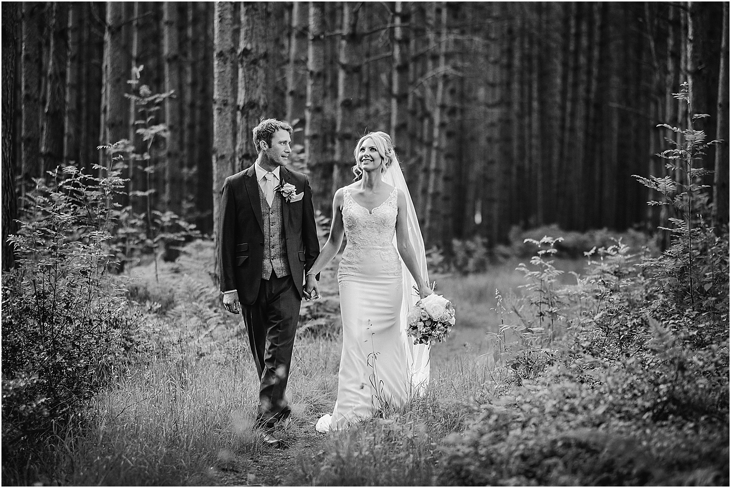 Healey Barn wedding by www.2tonephotography.co.uk 097.jpg