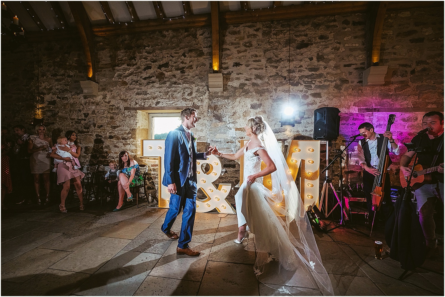 Healey Barn wedding by www.2tonephotography.co.uk 115.jpg