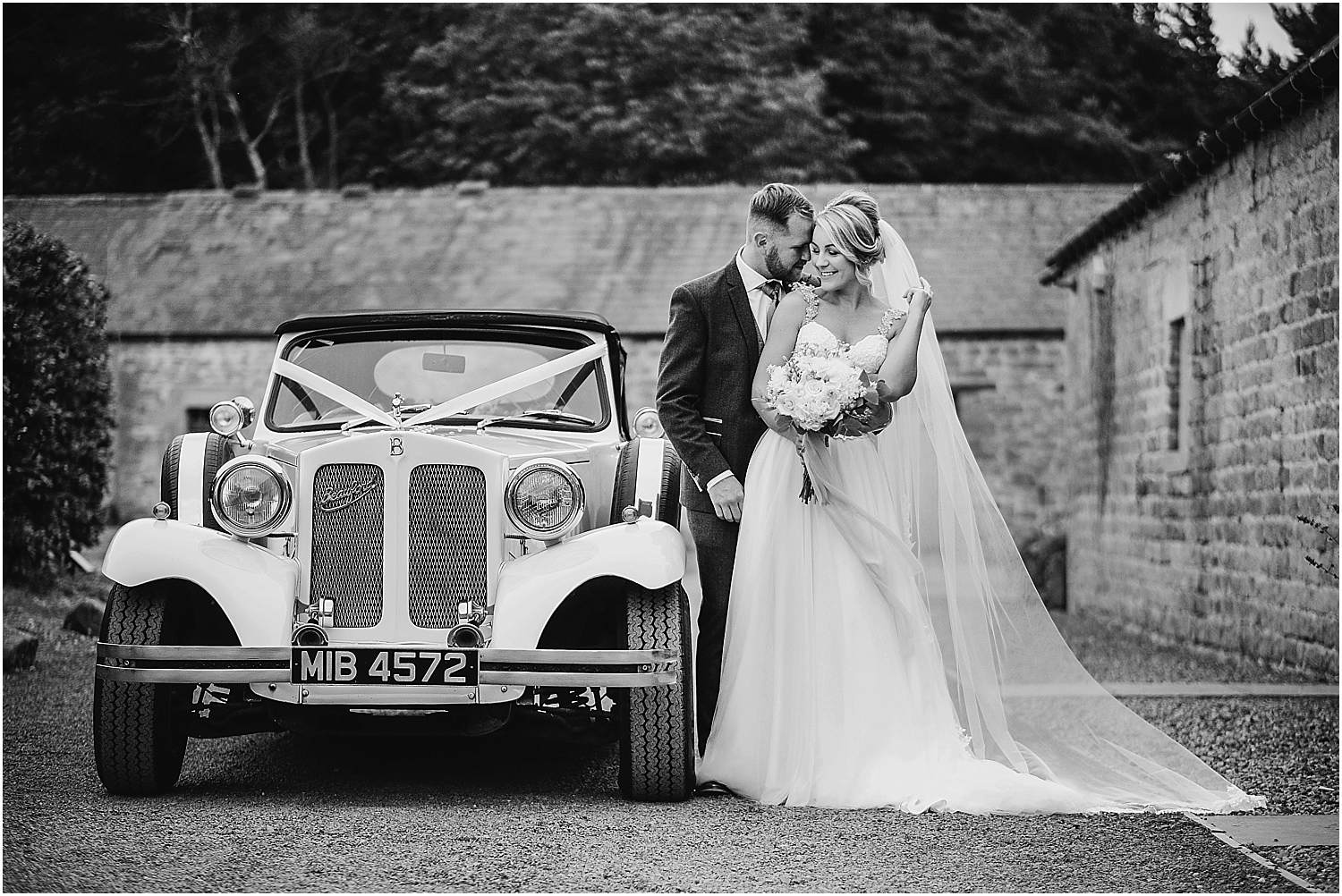 Wedding at Healey Barn - wedding photography by www.2tonephotography.co.uk 054.jpg