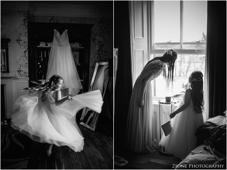Woodhill Hall wedding photographer 06.jpg